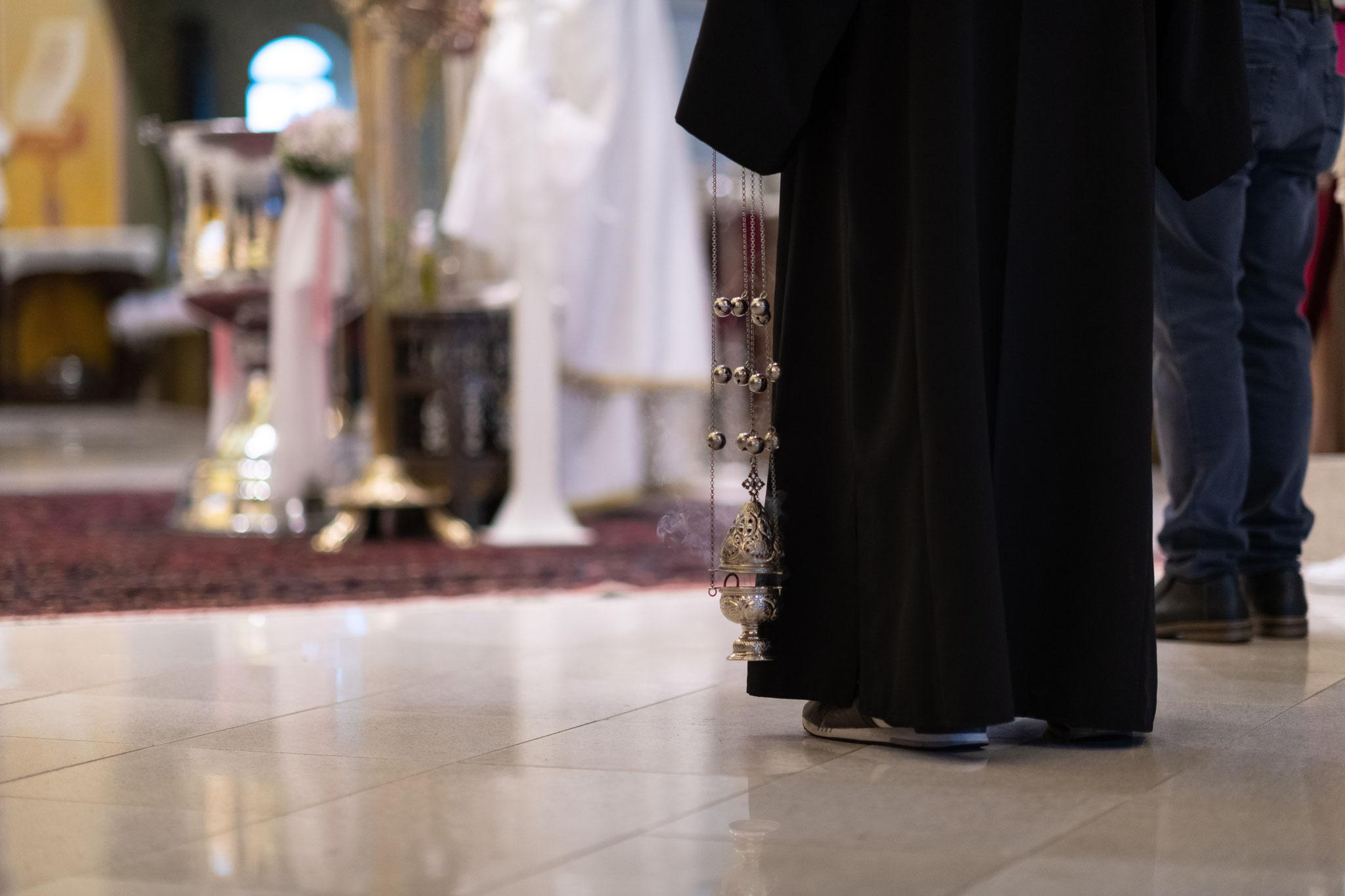 Professioneller Fotograf und Filmemacher für die griechisch orthodoxe Taufe in Frankfurt