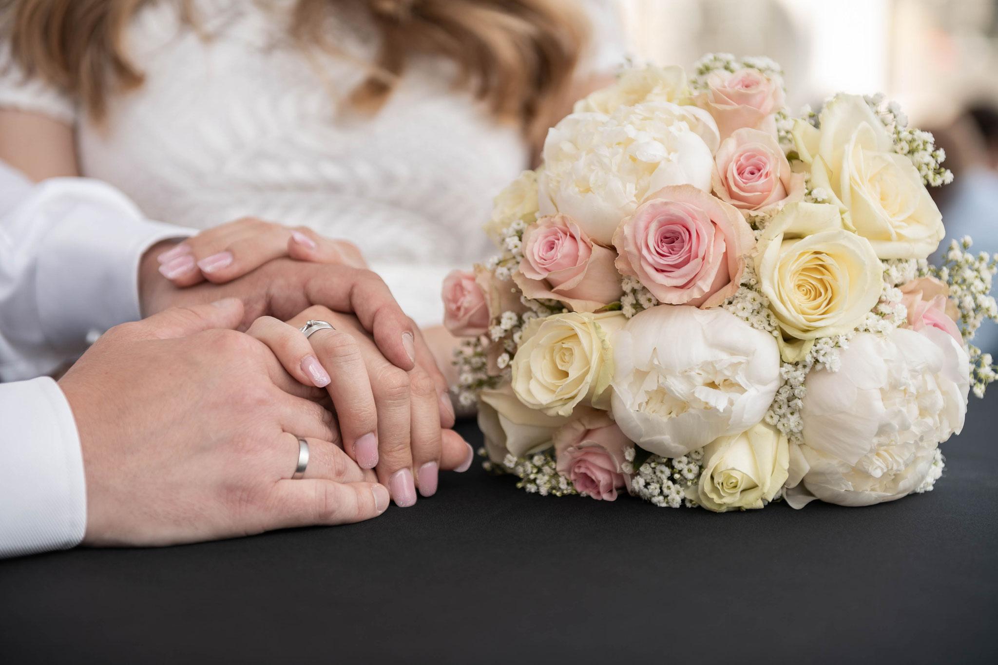 Im Auftrag der Heirat - Hochzeitsstrauß