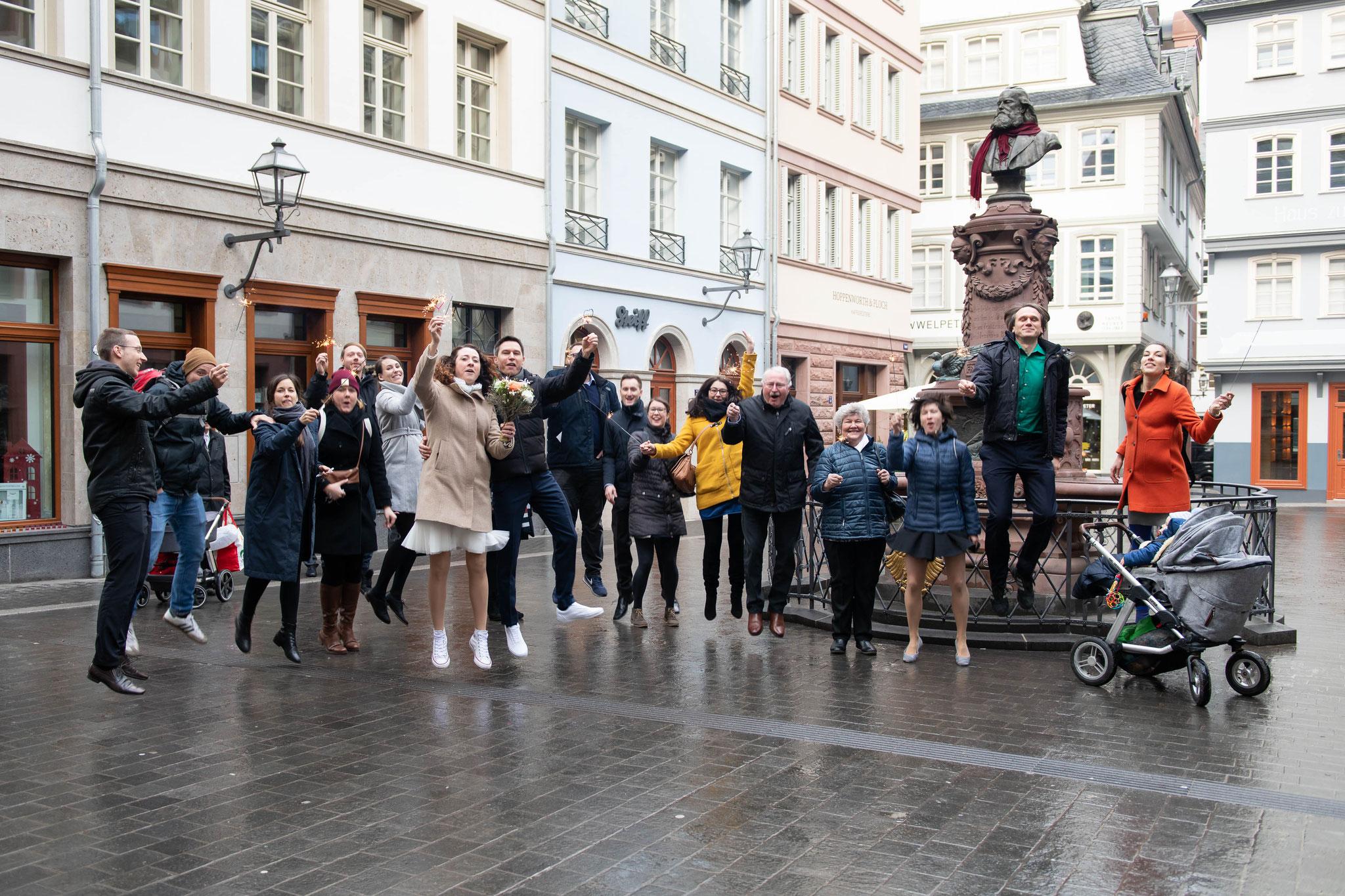Fotografische Begleitung nach dem Standesamt in Frankfurt oder Umgebung
