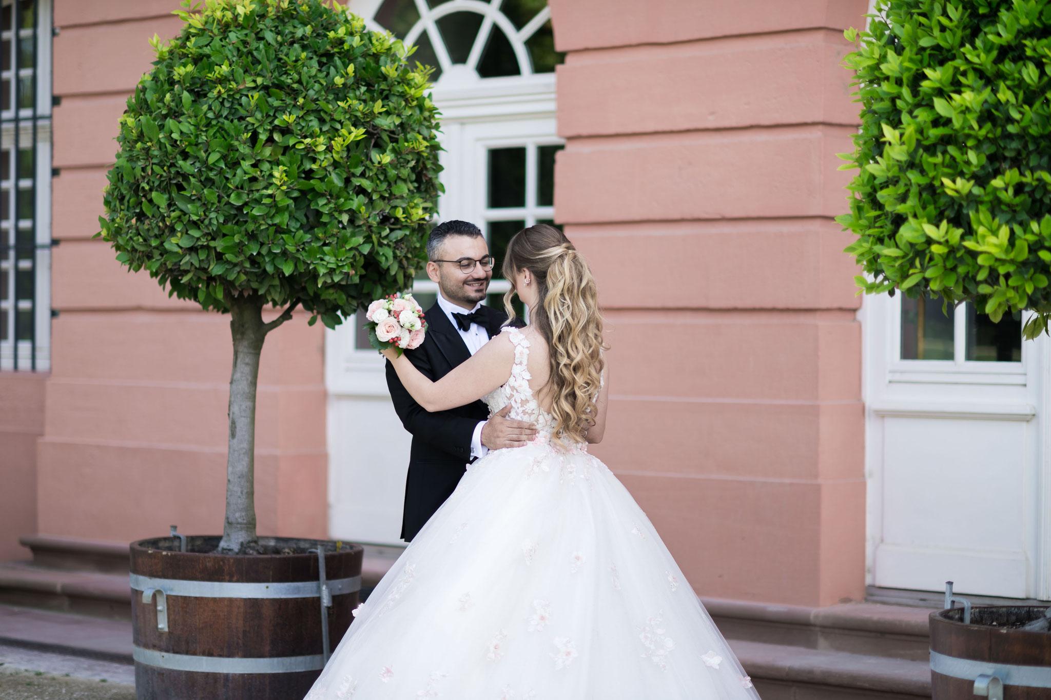 Hochzeitsfotograf für Hochzeitsaufnahmen in Wiesbaden und Umgebung