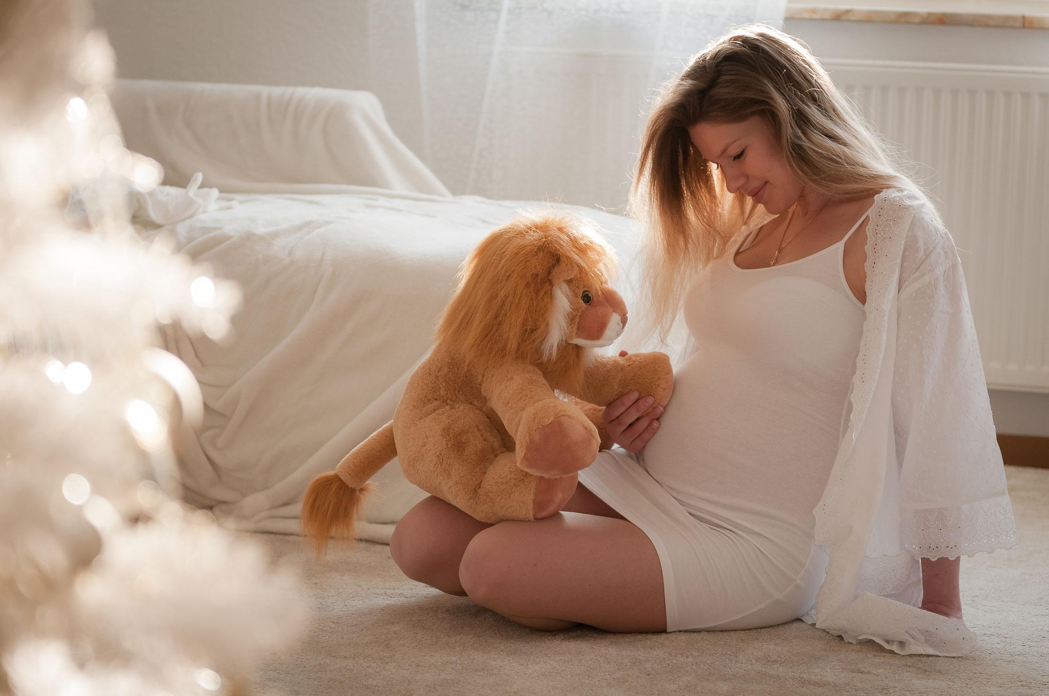 Schwangerschaftsfotos indoor