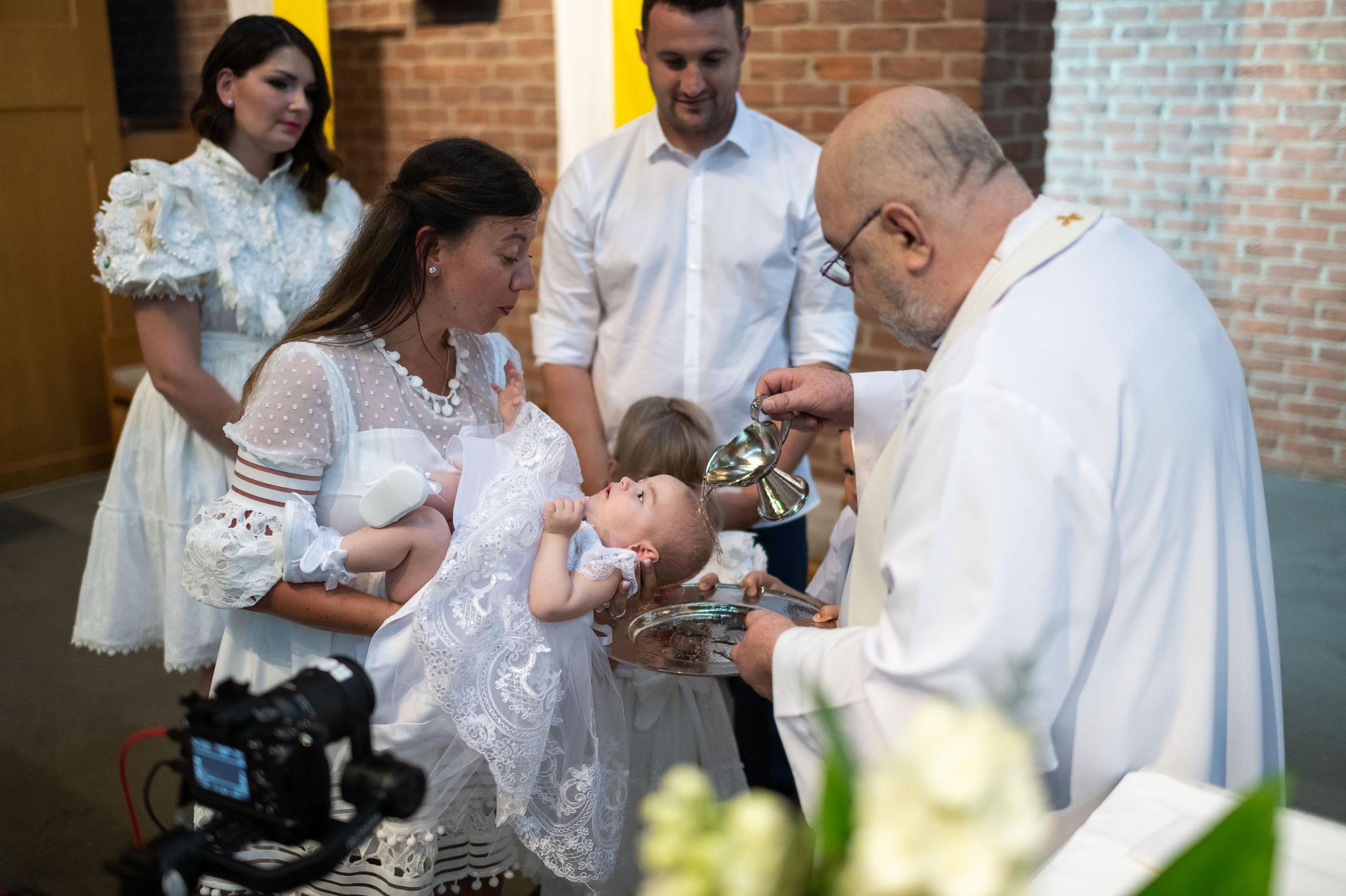 Professionelles Kamerateam für meine Katholische Taufe in Karben und Umgebung