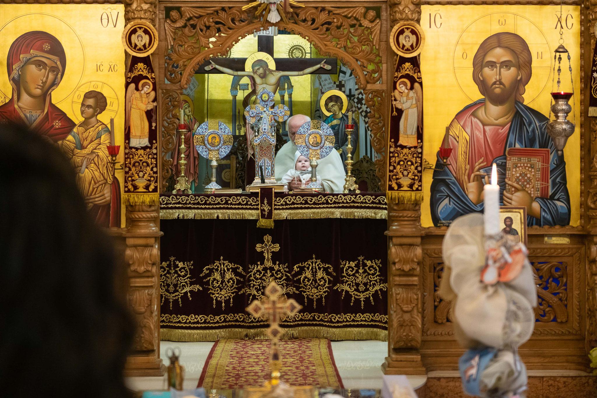 Der Altar der griechisch-orthodoxen Kirche in Wiesbaden Biebrich