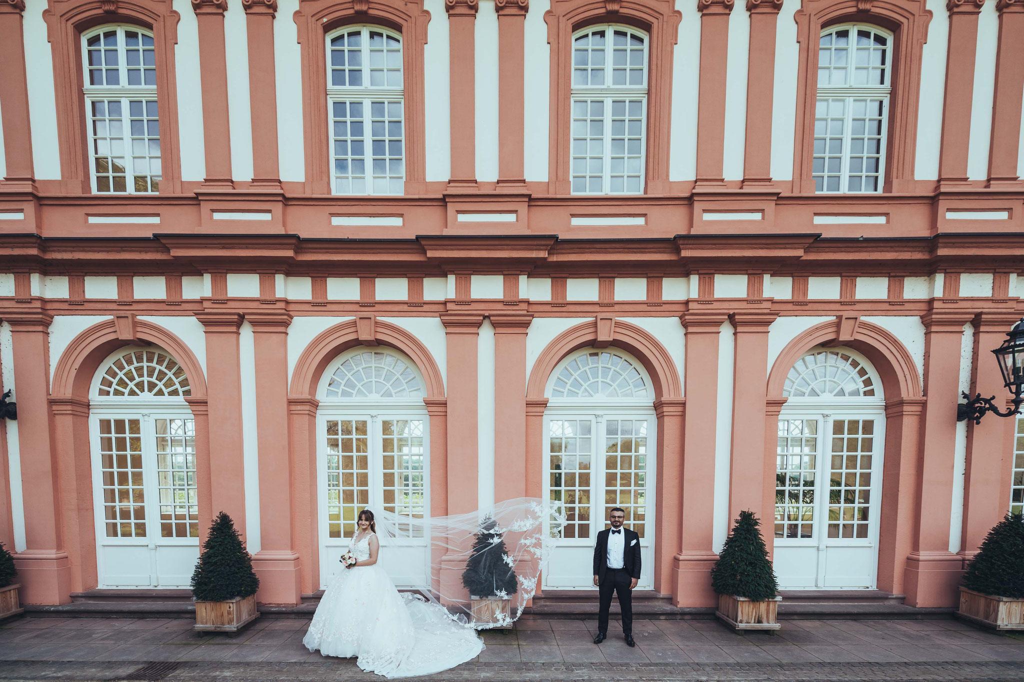 Nachgestellte Szenen beim Brautpaar Shooting