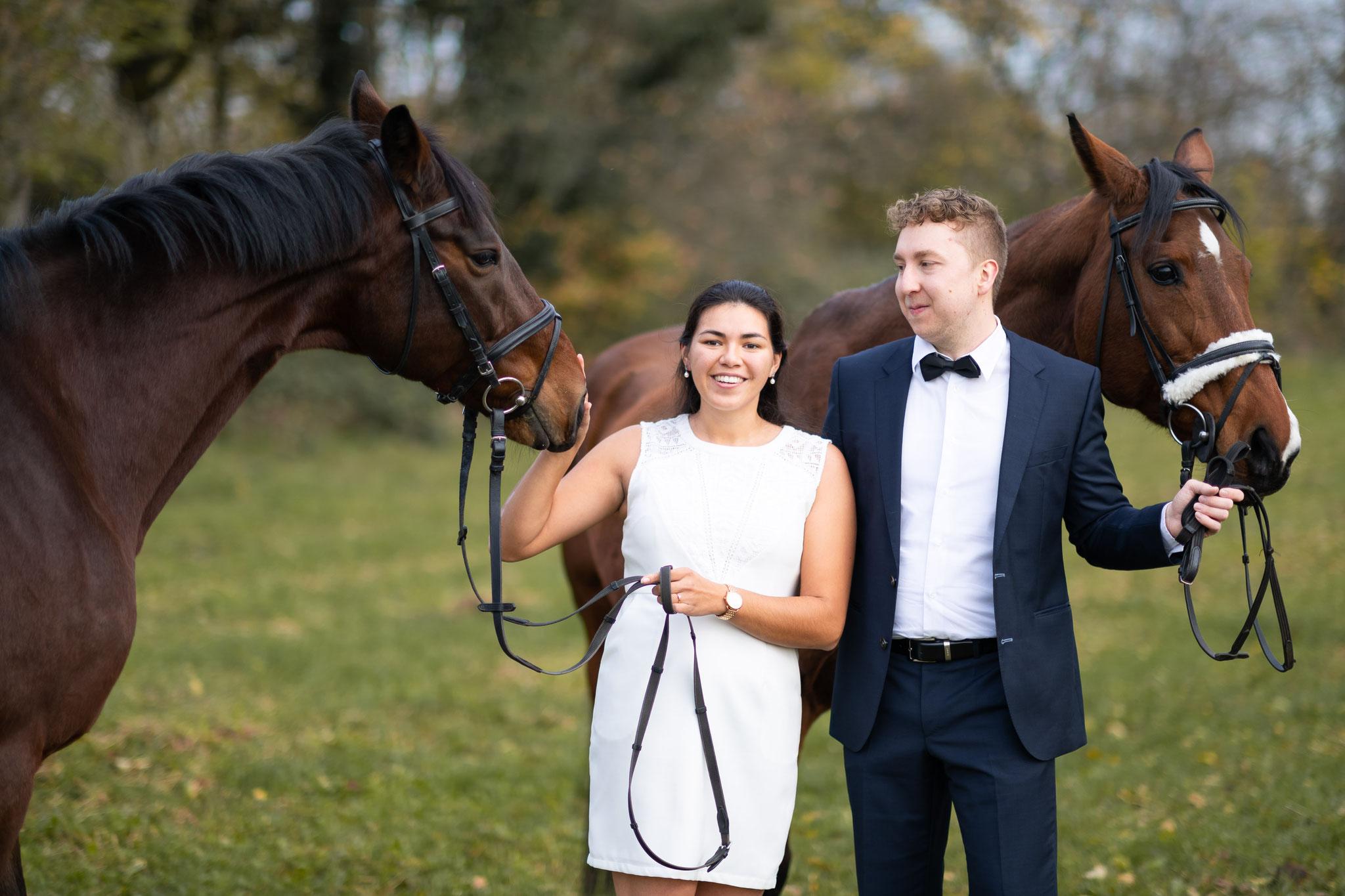 Ihr Hochzeitsfotograf für professionelle Paaraufnahmen mit Pferden