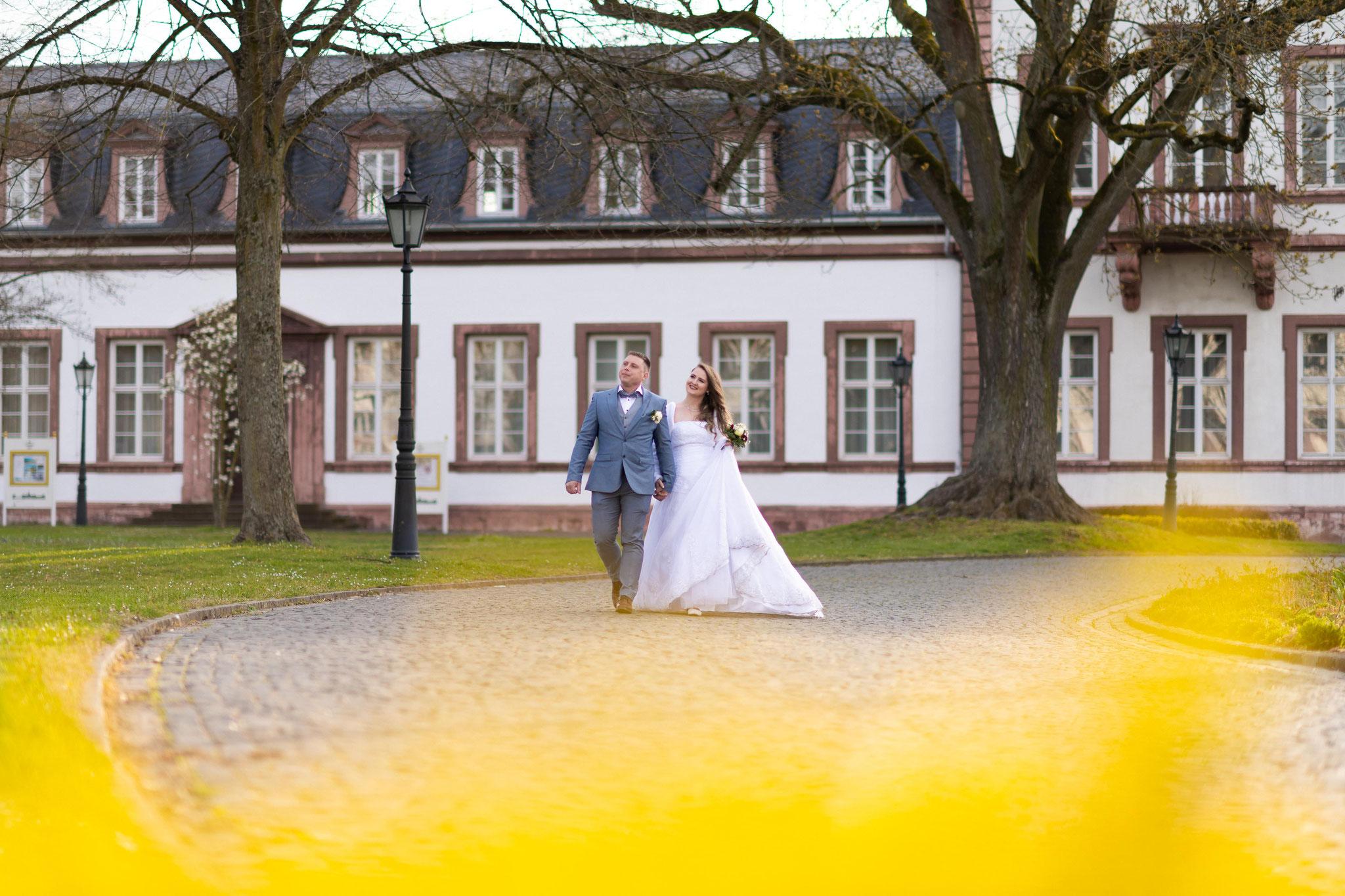 Mein Hochzeitsfotograf für Hochzeitshooting in Hanau im Schlosspark Philippsruhe