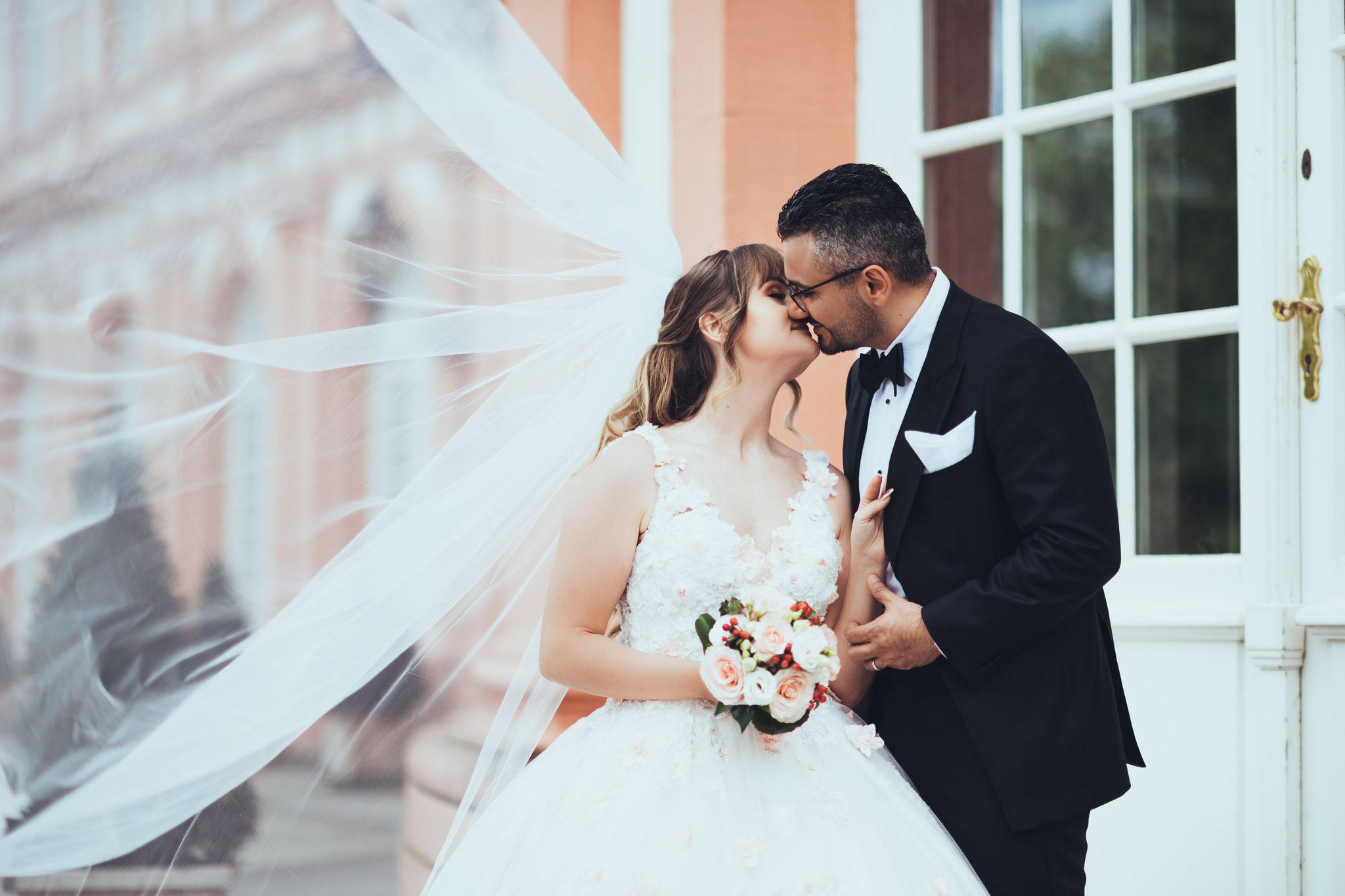 Den Schleier der Braut richtig ins Szene setzen