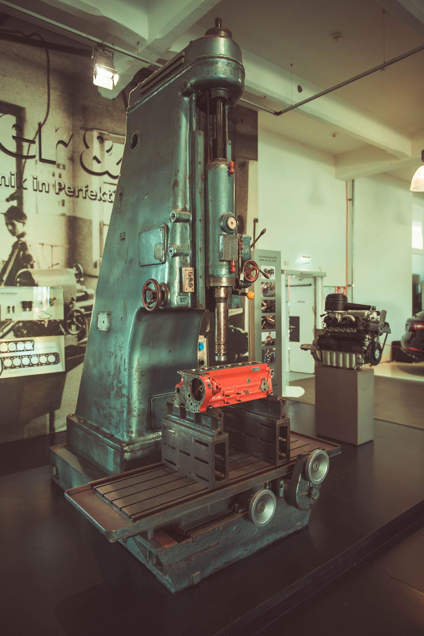 Werkzeugmaschine aus der Vergangenheit