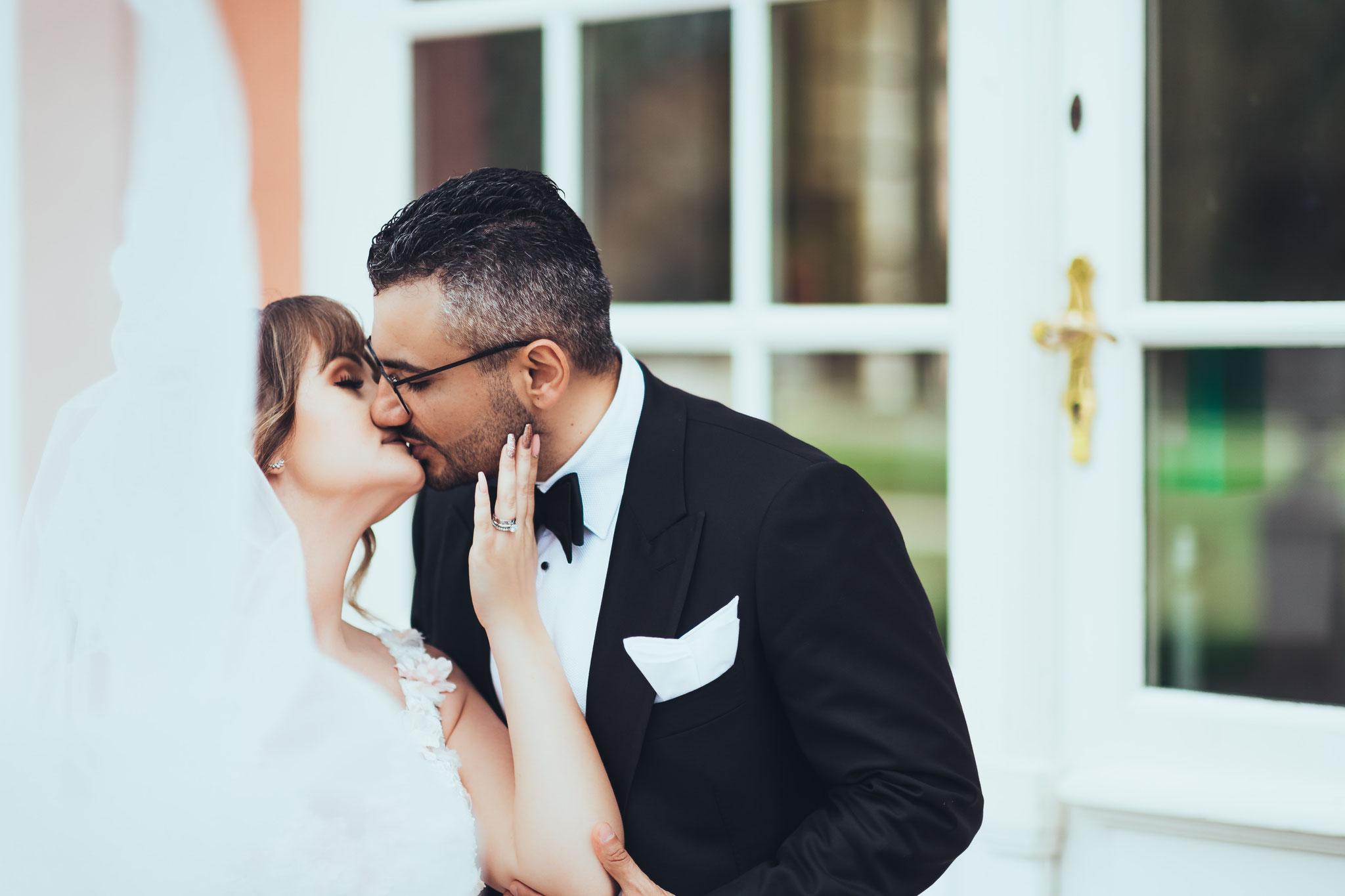 Den Brautpaar Kuss richtig fotografieren
