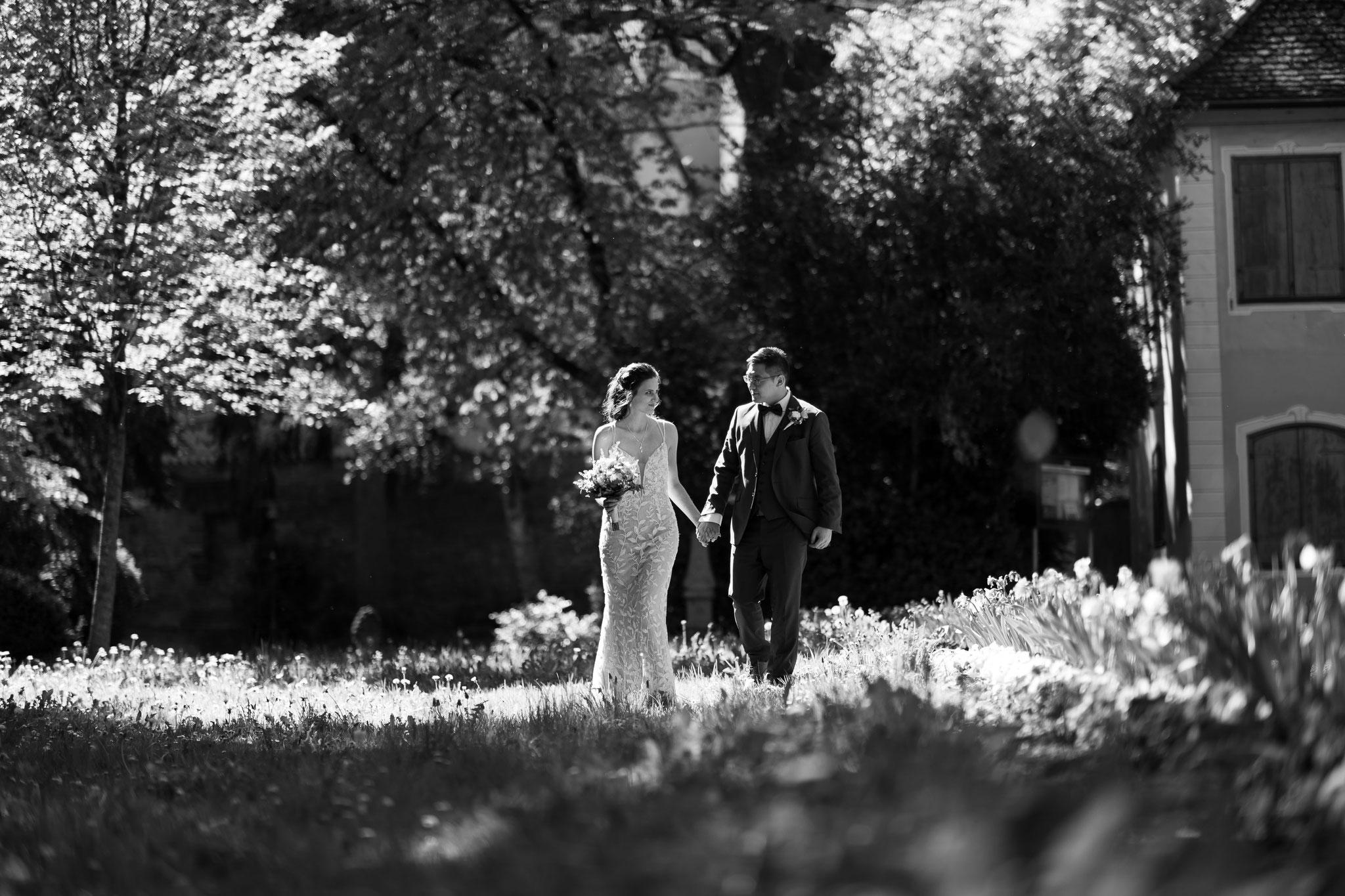 Kamerateam für authentische und professionelle Hochzeitsfotos und Hochzeitsfilme in Memmingen und Bayern
