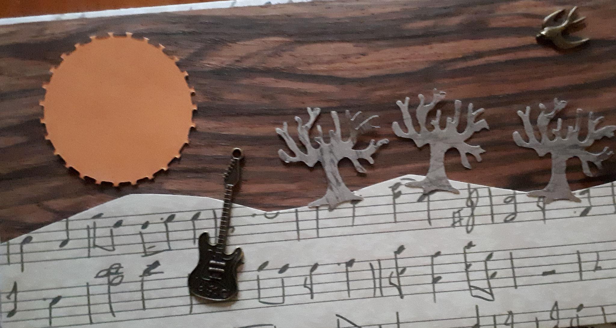 verkauftFür Musikliebhaber mit Holz