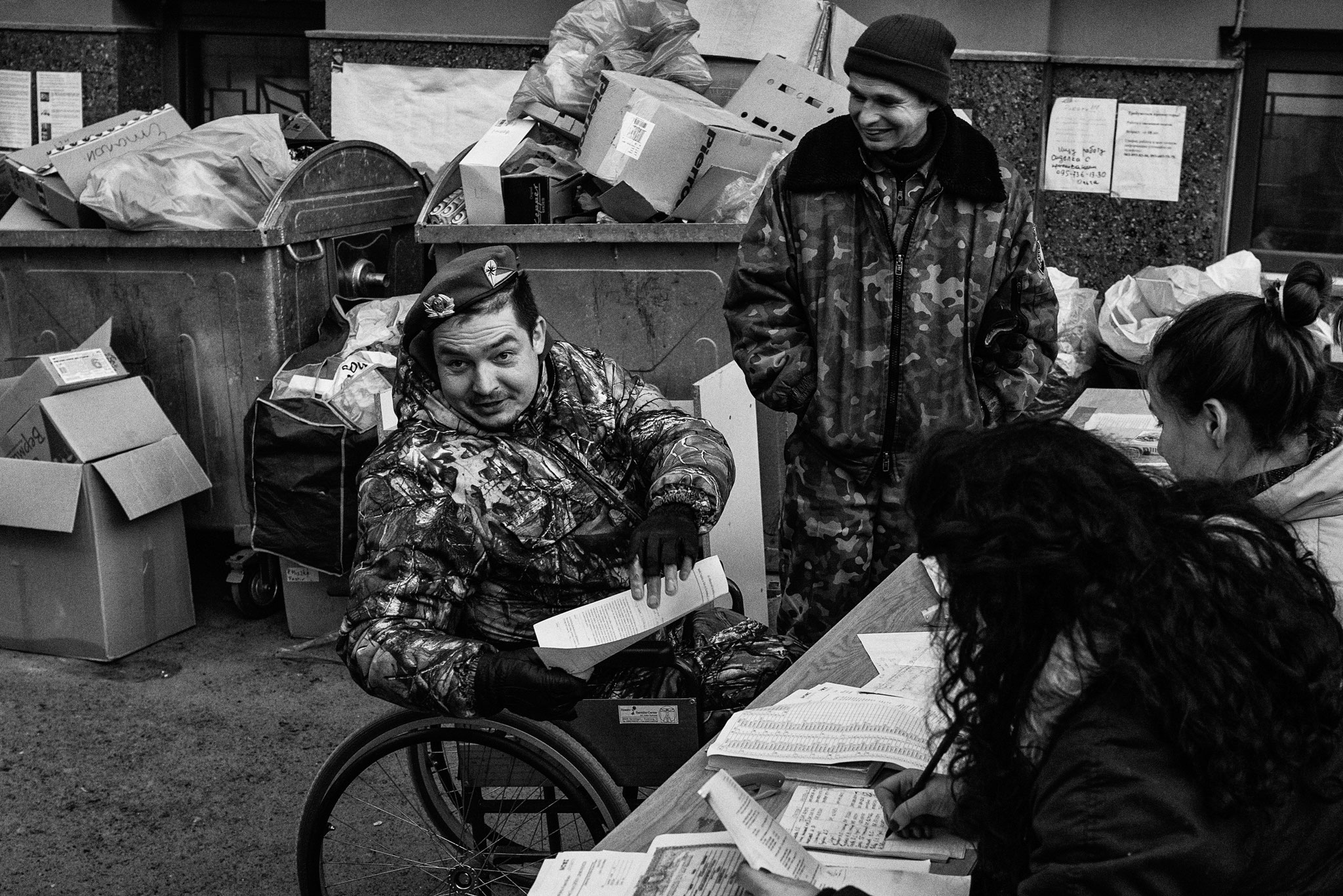 Distibution of humaitarian goods, Kiev 2014