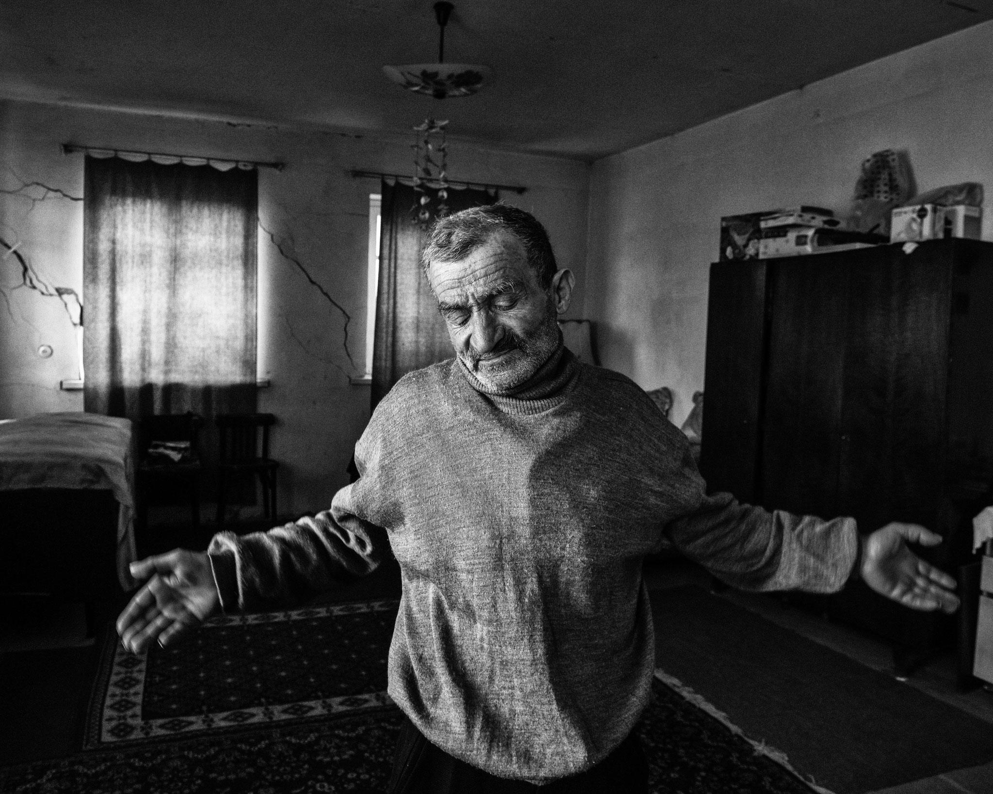 Refugee from AZ; Sos/Nagorno Karabakh