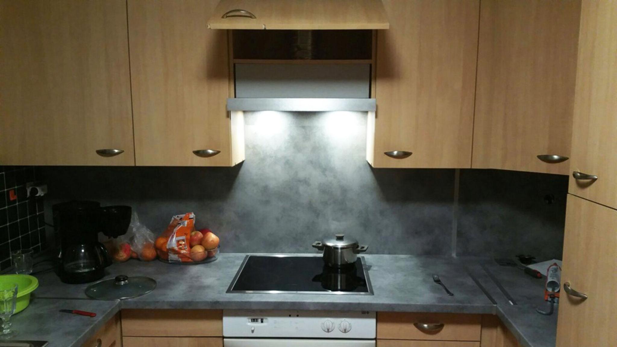 Neue Arbeitsplatte und Rückwand in der Küche