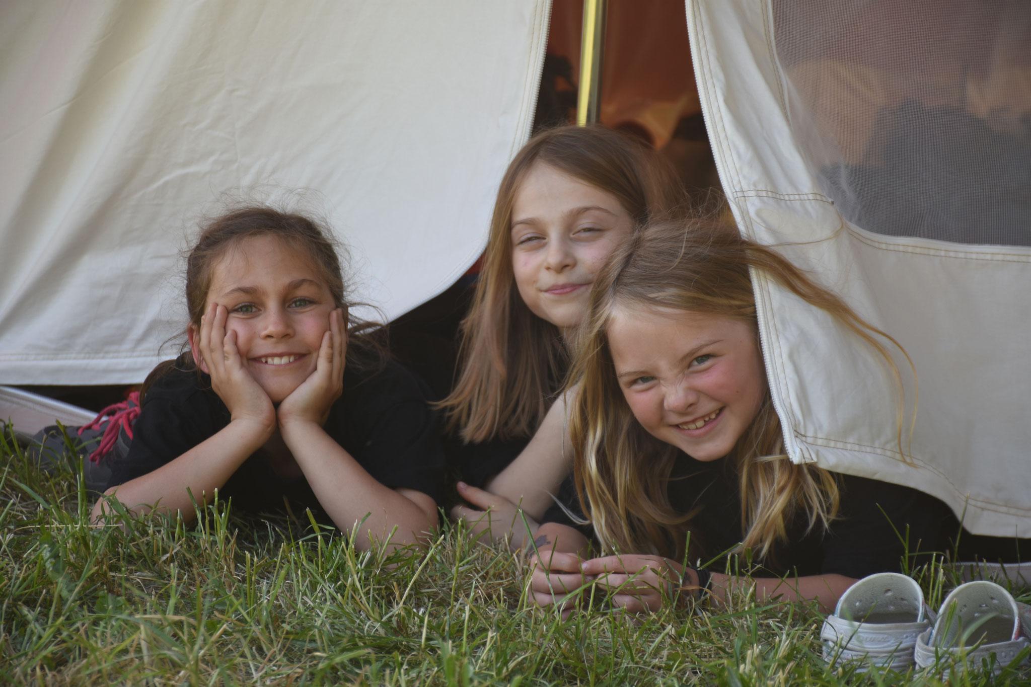 ...Lager im Zelt z'verbringe.
