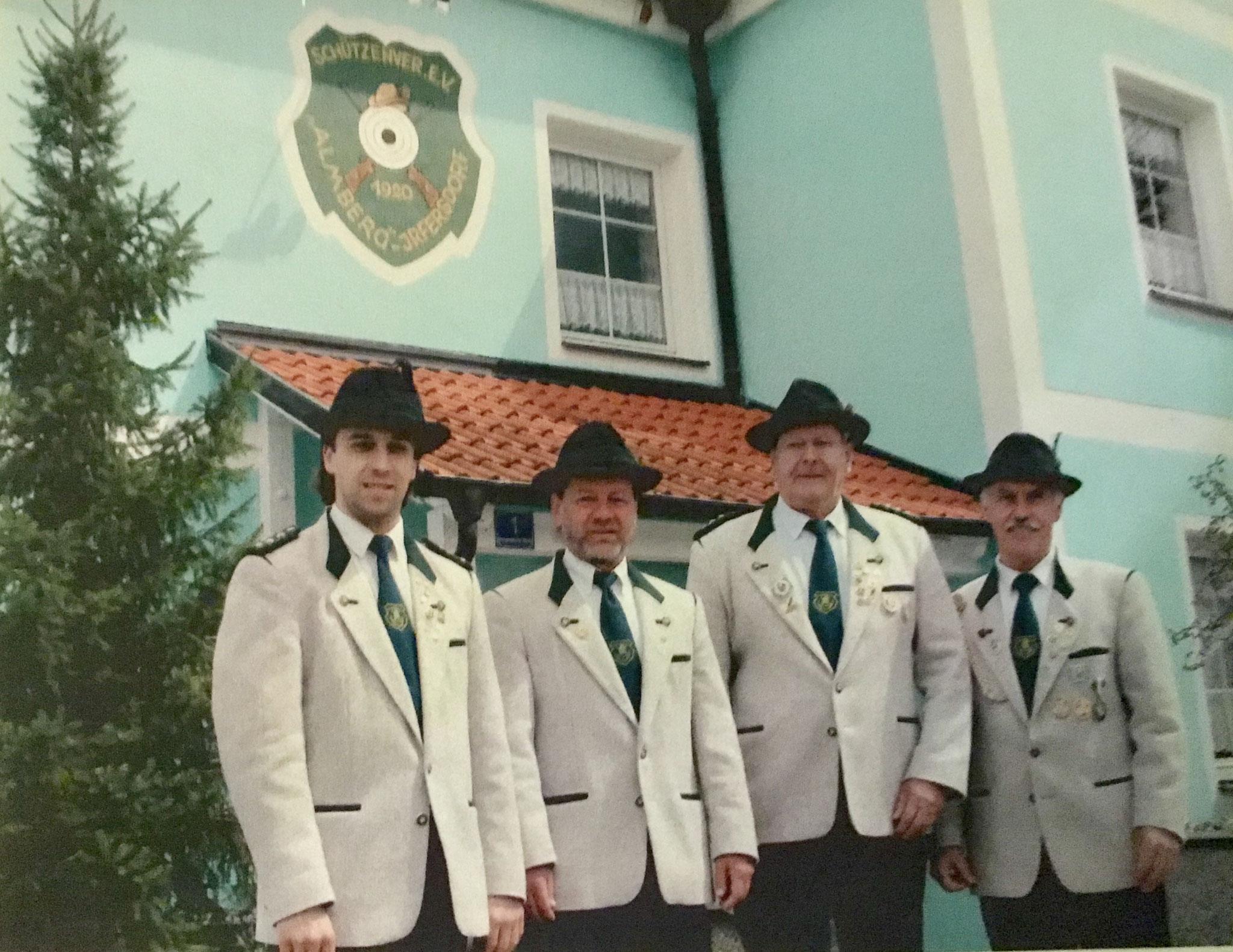 Almberg Schützenmeister: S. Wittmann, W. Weber, F. Ketterl, A.  Merkl