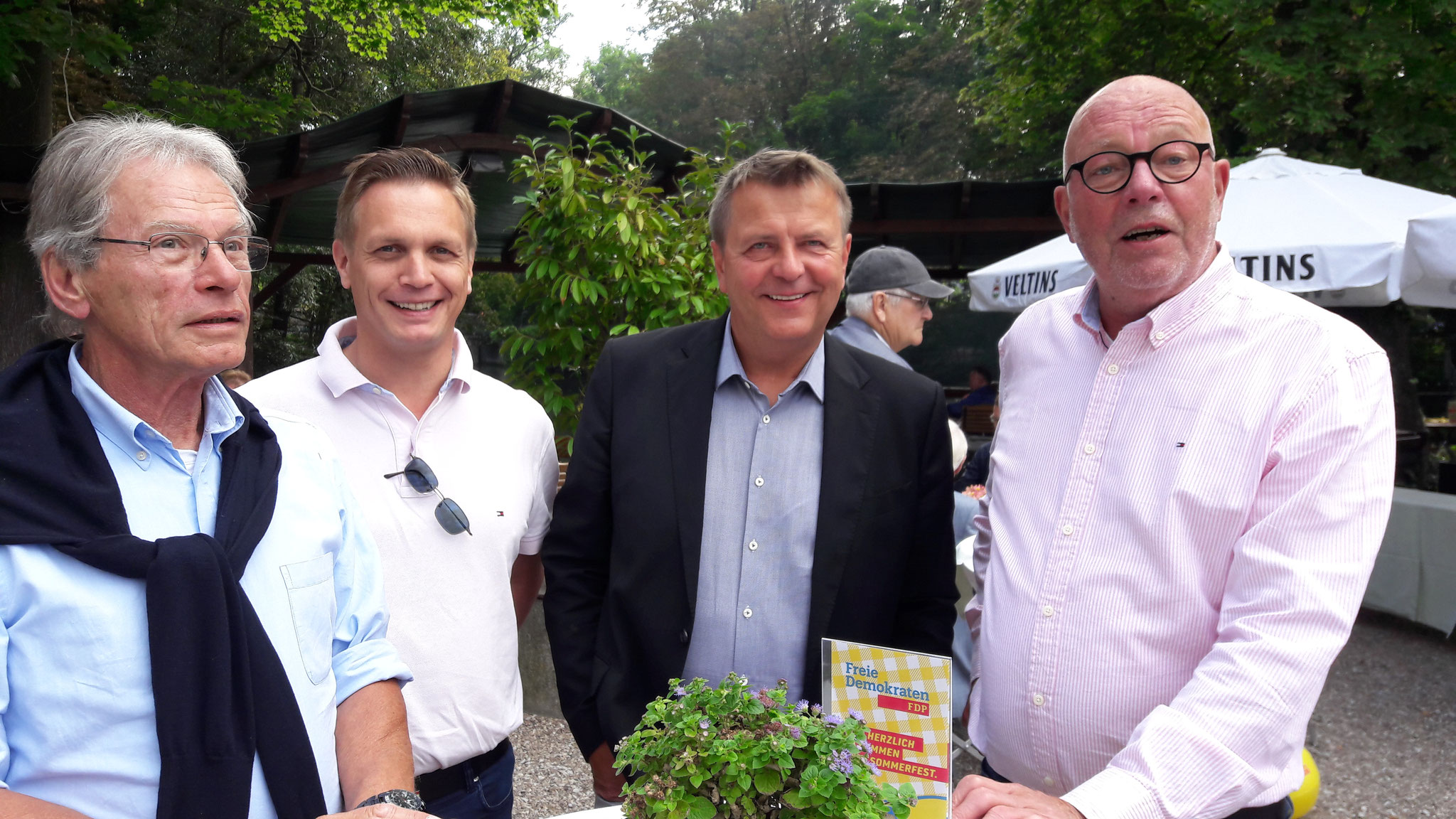 von links nach rechts: Dr. Gunter Bals, Arno Zurbrüggen, Christof Rasche (MdL), Hans Gerd-Völker