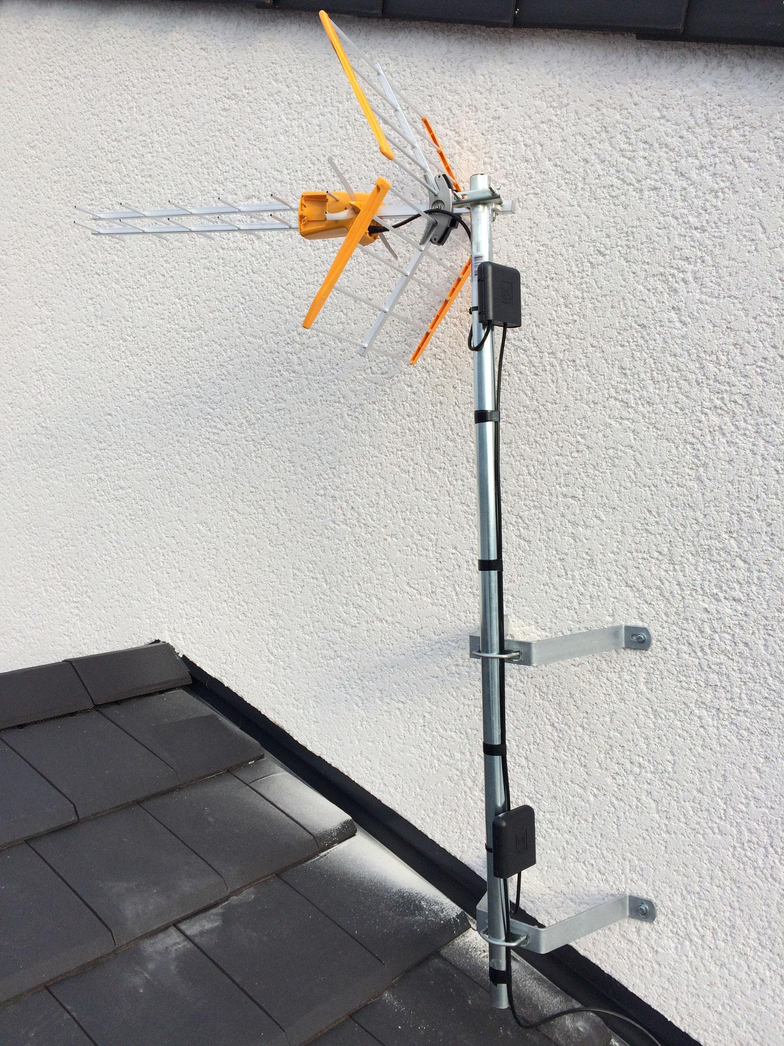 Pose d'une Antenne sur un Mur