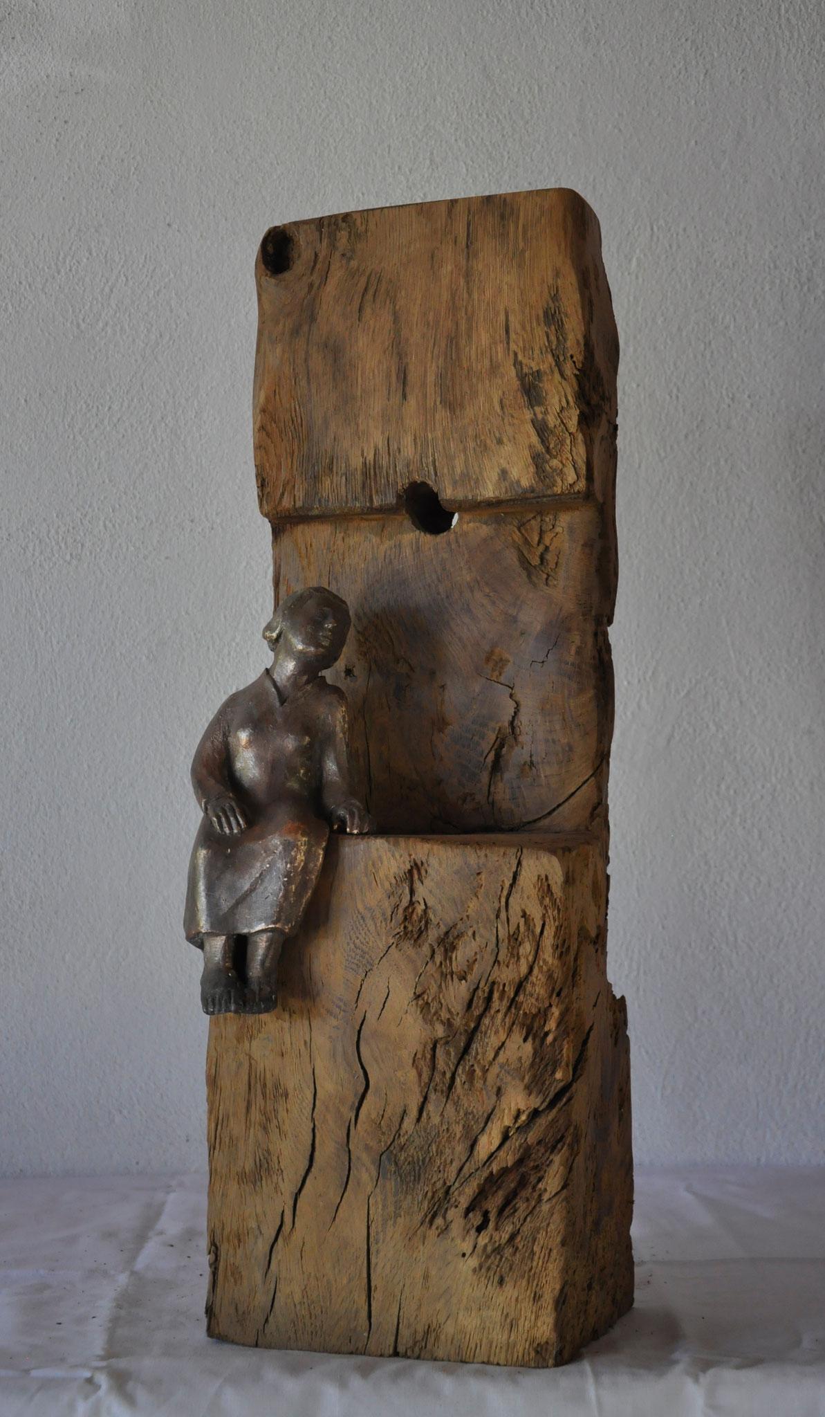 ERWARTUNG  (Eiche  61 x 22 x 17 cm)  mit Bronzefigur