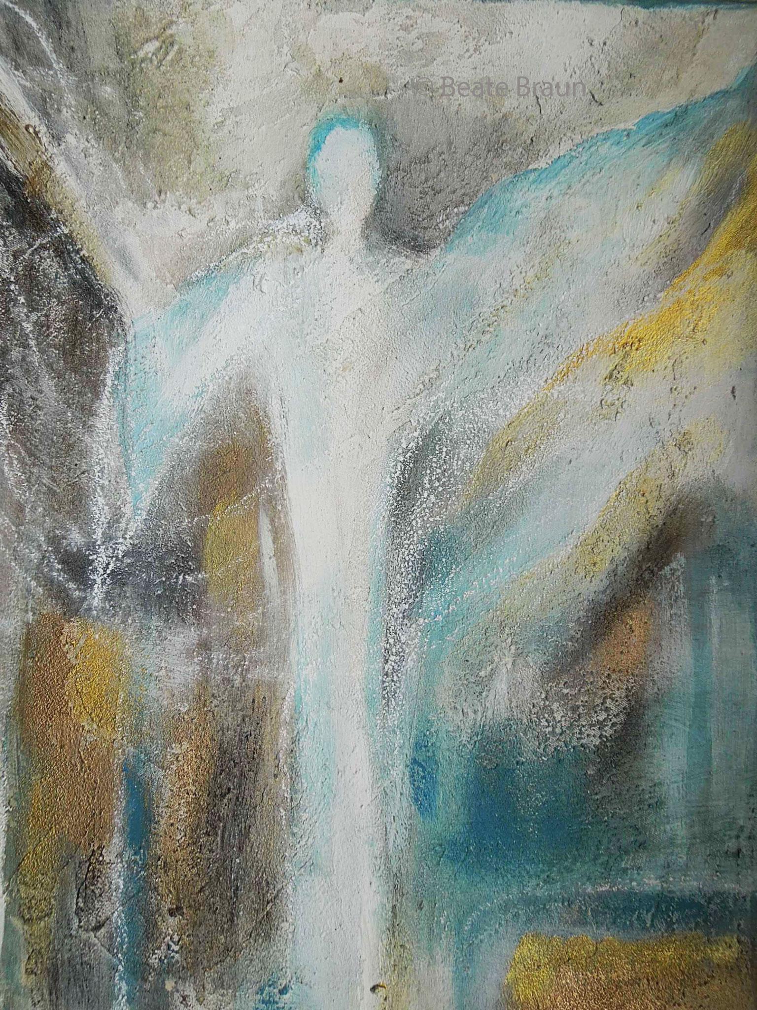 Engel in sibergrau