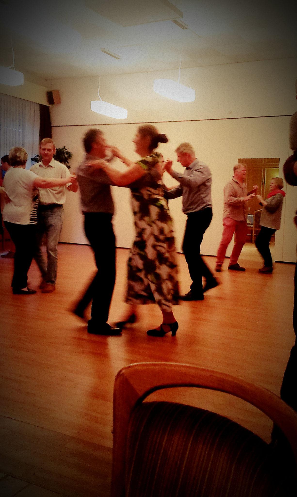 Grillen und vor allem Tanzen mit dem Tanzen an der Schlei in Güby bei Schleswig