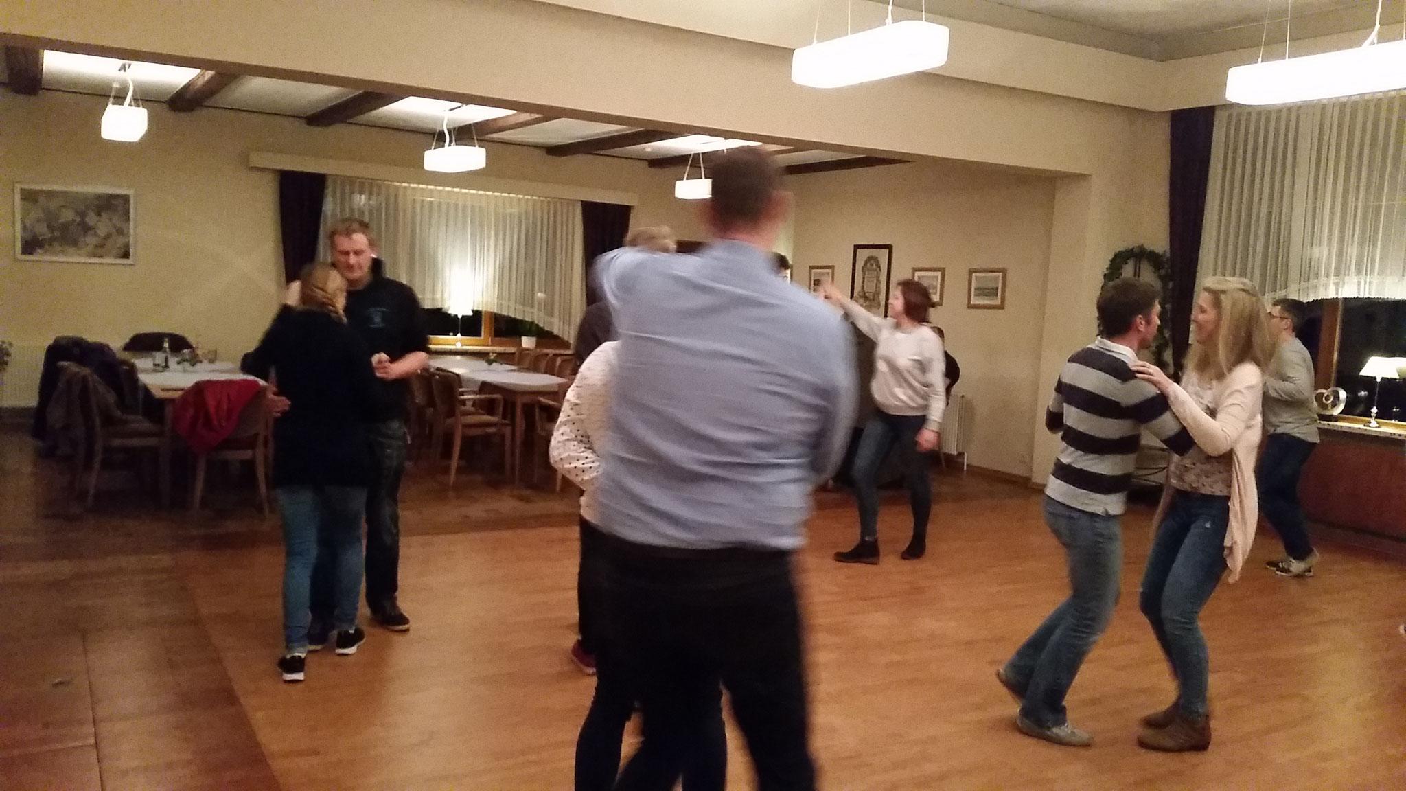 Unsere Tanzkurse in der Vereinsstätte Güby bei Schleswig