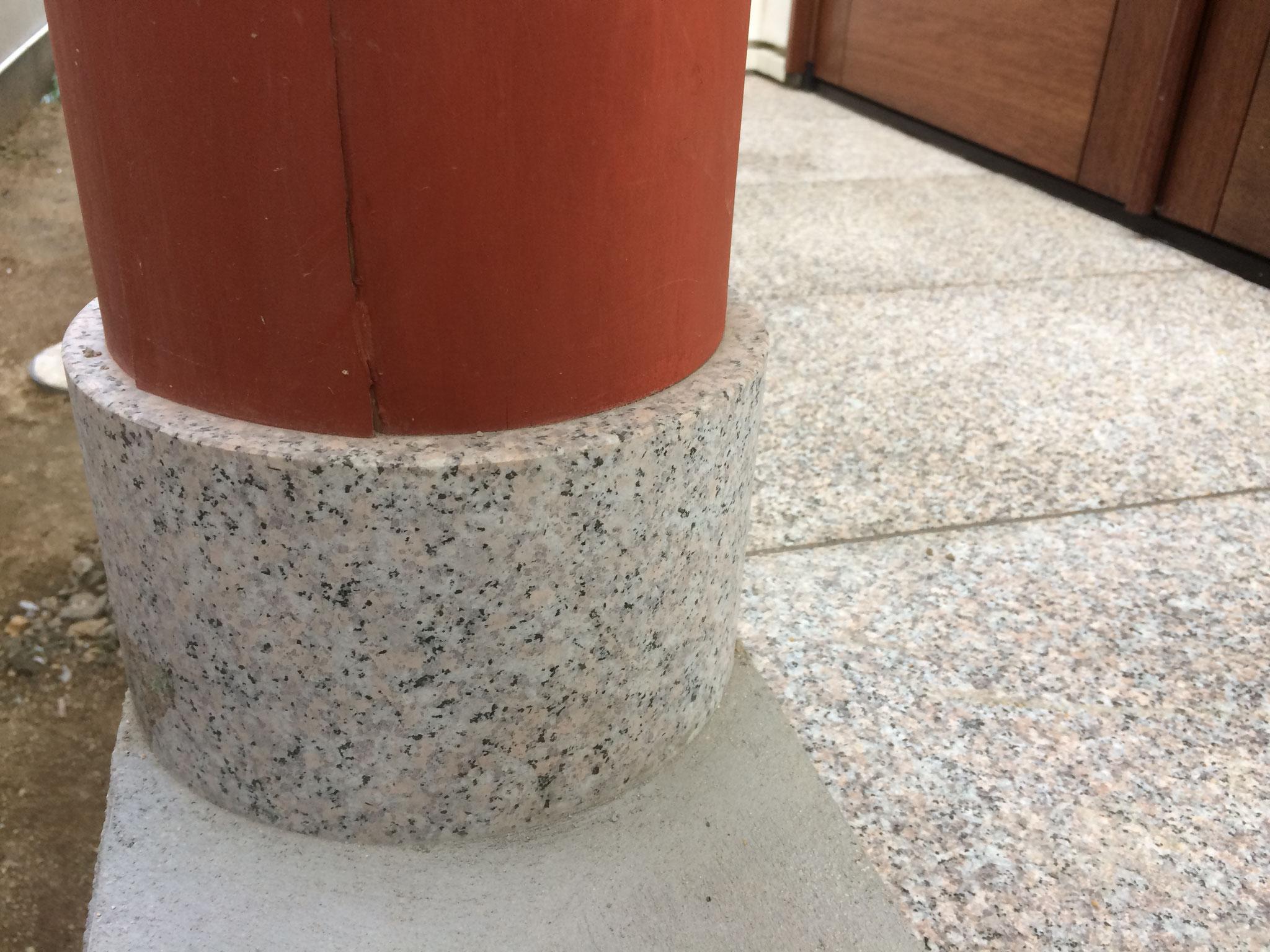 円柱束石:万成石水磨き