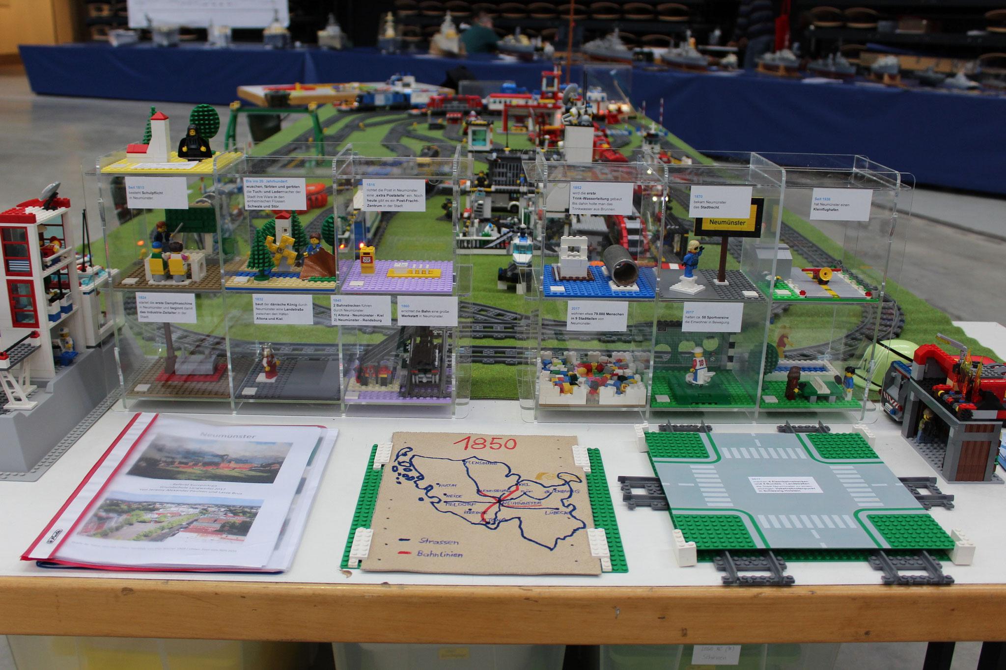Neumünster-Grundschulreferat mit Lego-Klemmbausteinen