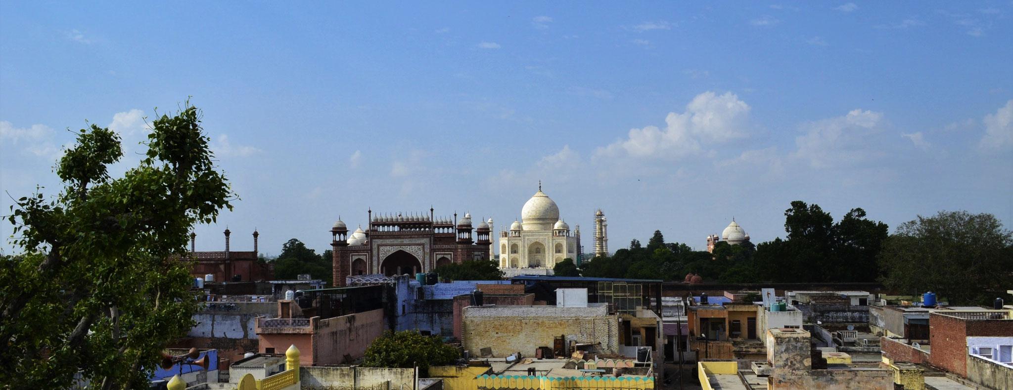Agra (Indien): Dachrestaurantreflexionen über Kulturen, Weltwunder und Armbanduhren [mehr...]