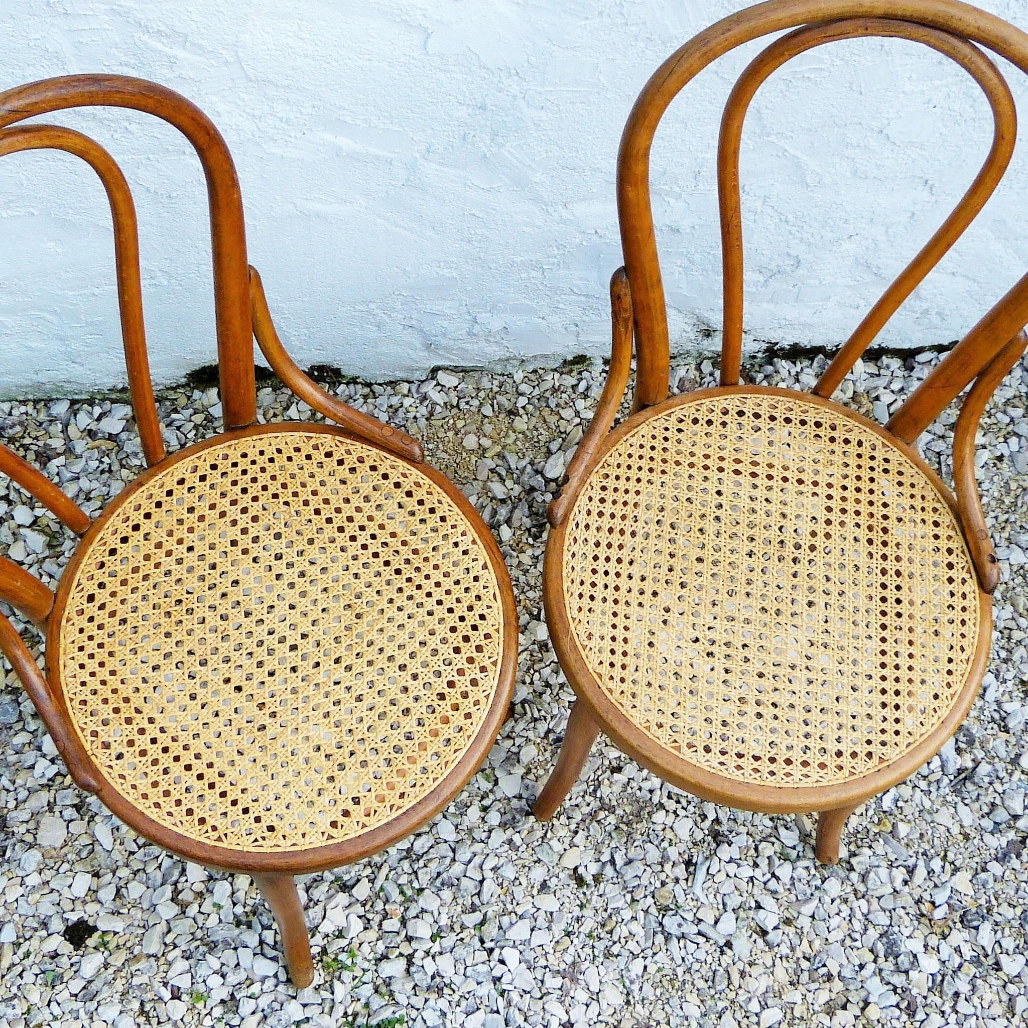 cannage de chaise ou de fauteuil atelier beau brin. Black Bedroom Furniture Sets. Home Design Ideas
