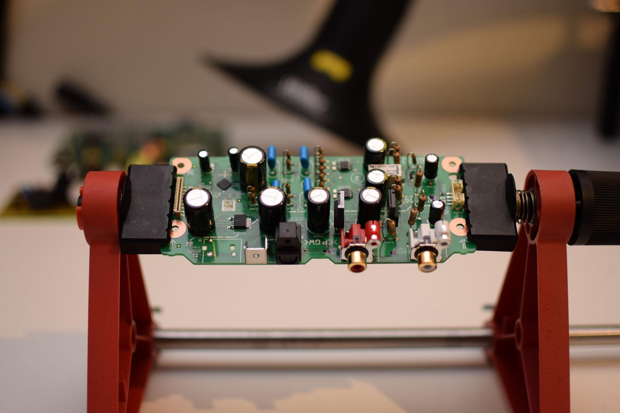 Sony UBP-X100ES Analogboard