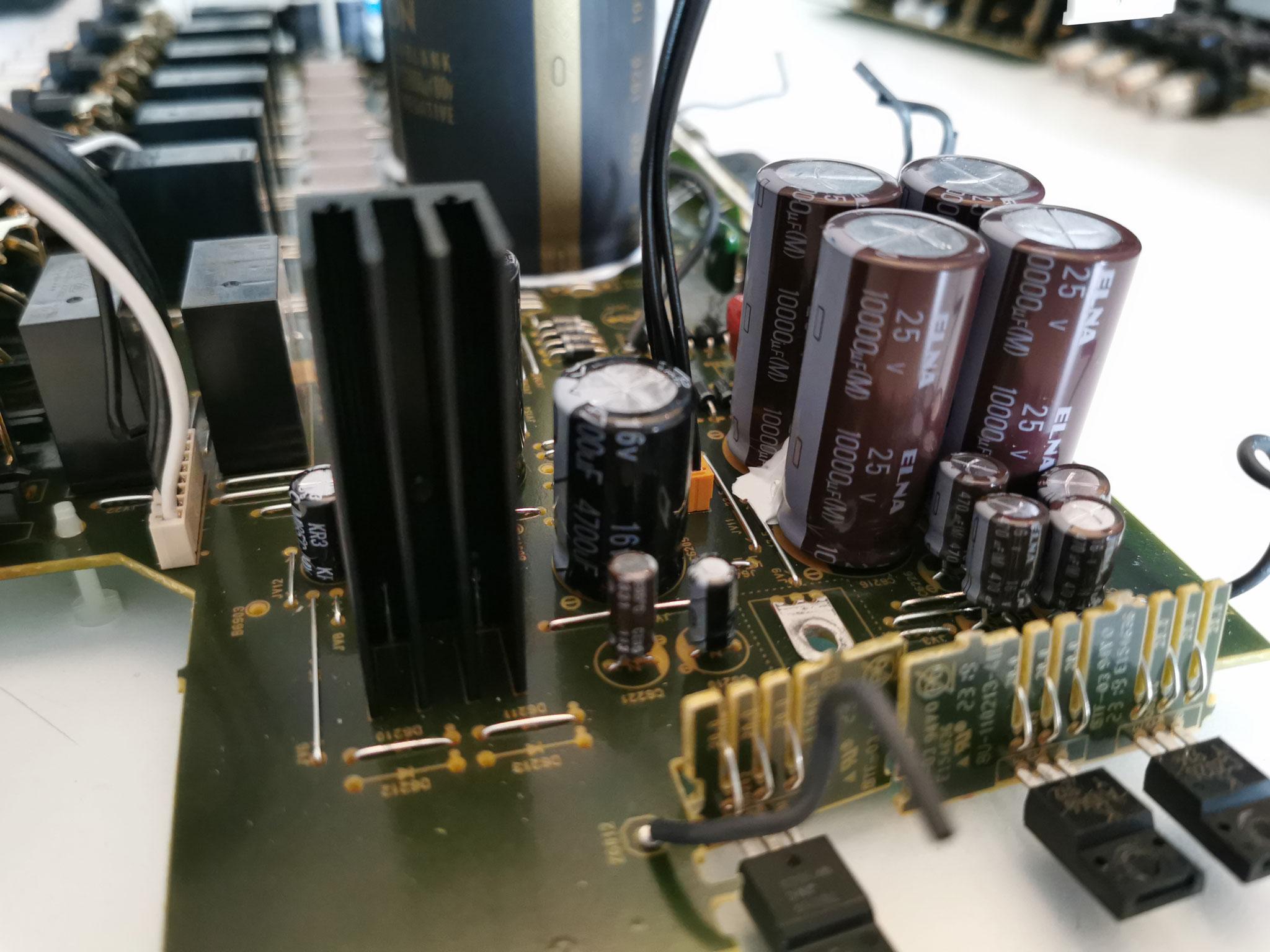 Denon AVC-X8500H weitere Spannungsversorgung
