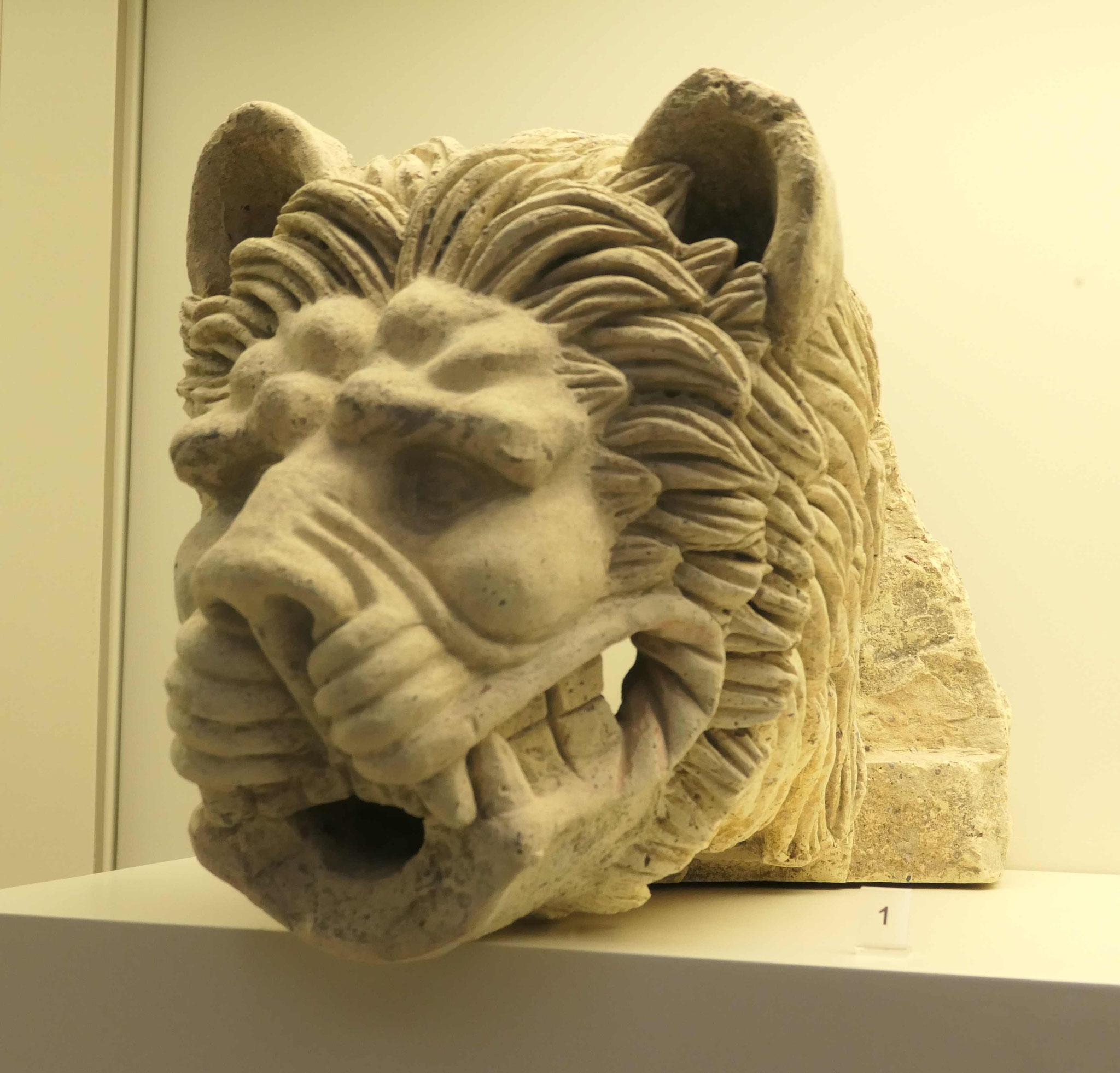 Löwenkopf als Wasserspeier im Akropolismuseum, Athen