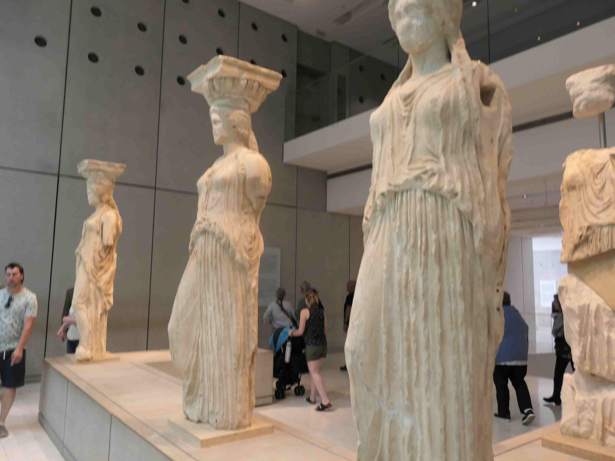Karyatiden vom Ereichttontempel  im Akropolismuseum, Athen