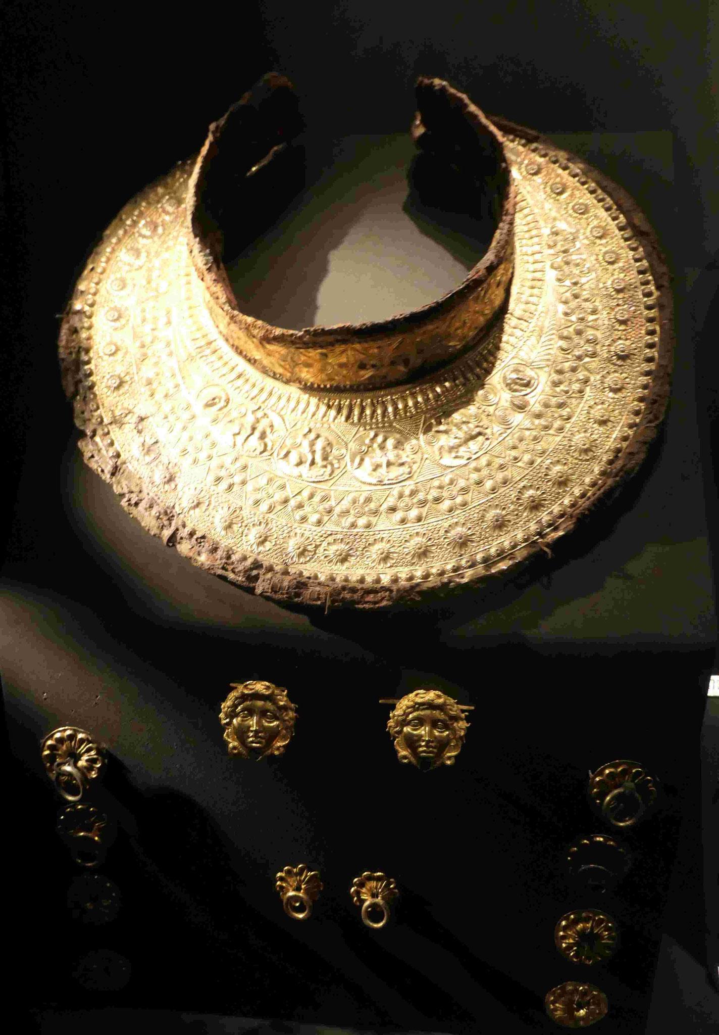 Goldener Halsschmuck aus dem Grabhügel des Mazedonierkönigs Philipp II in Bergina
