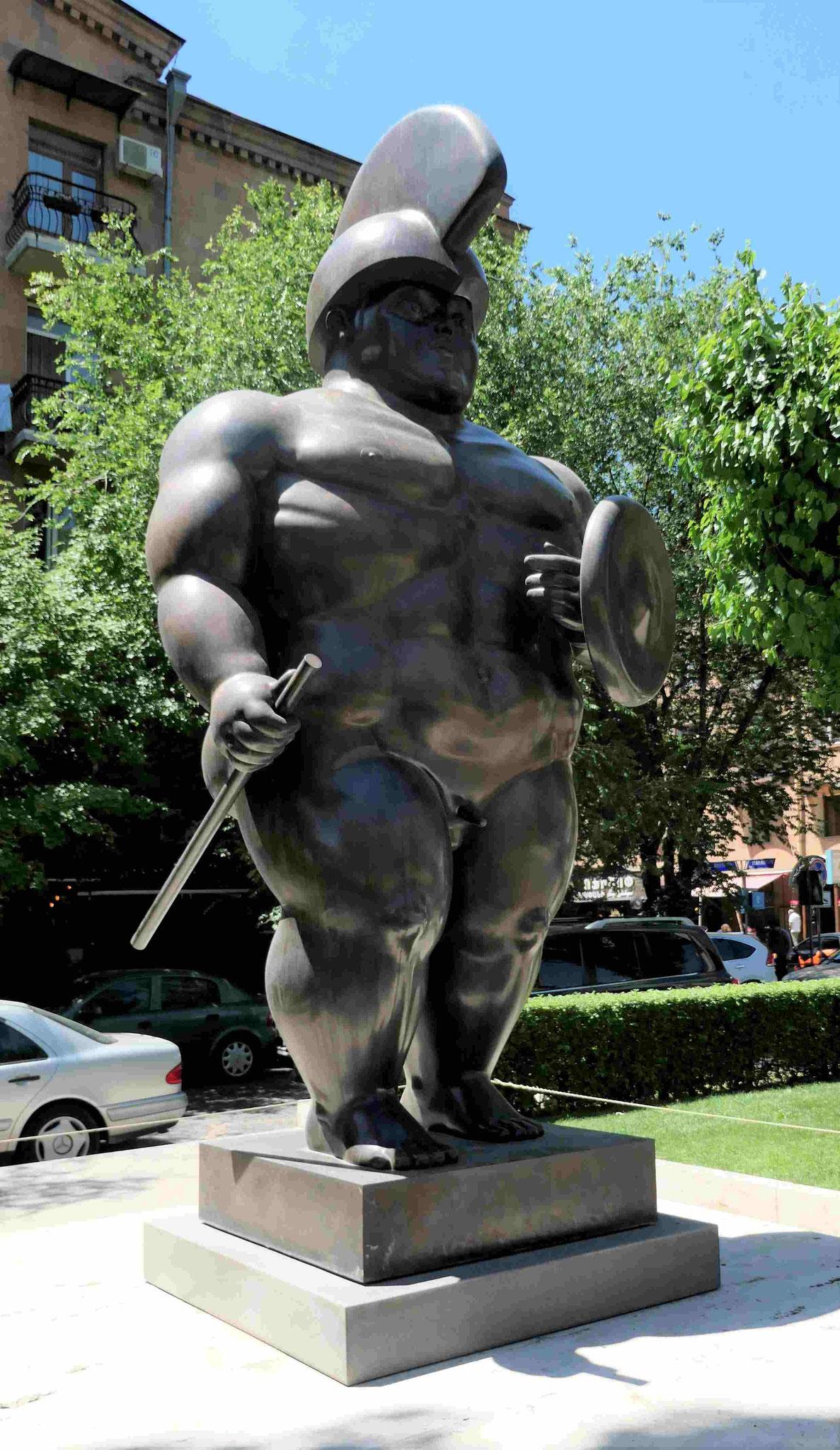 Fernando Botero: Krieger an den Kaskaden von Eriwan, Armenien