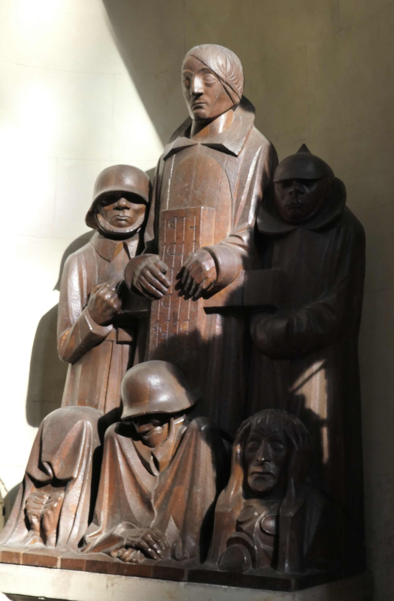Ernst Barlach: Kriegerdenkmal im Magdeburger Dom