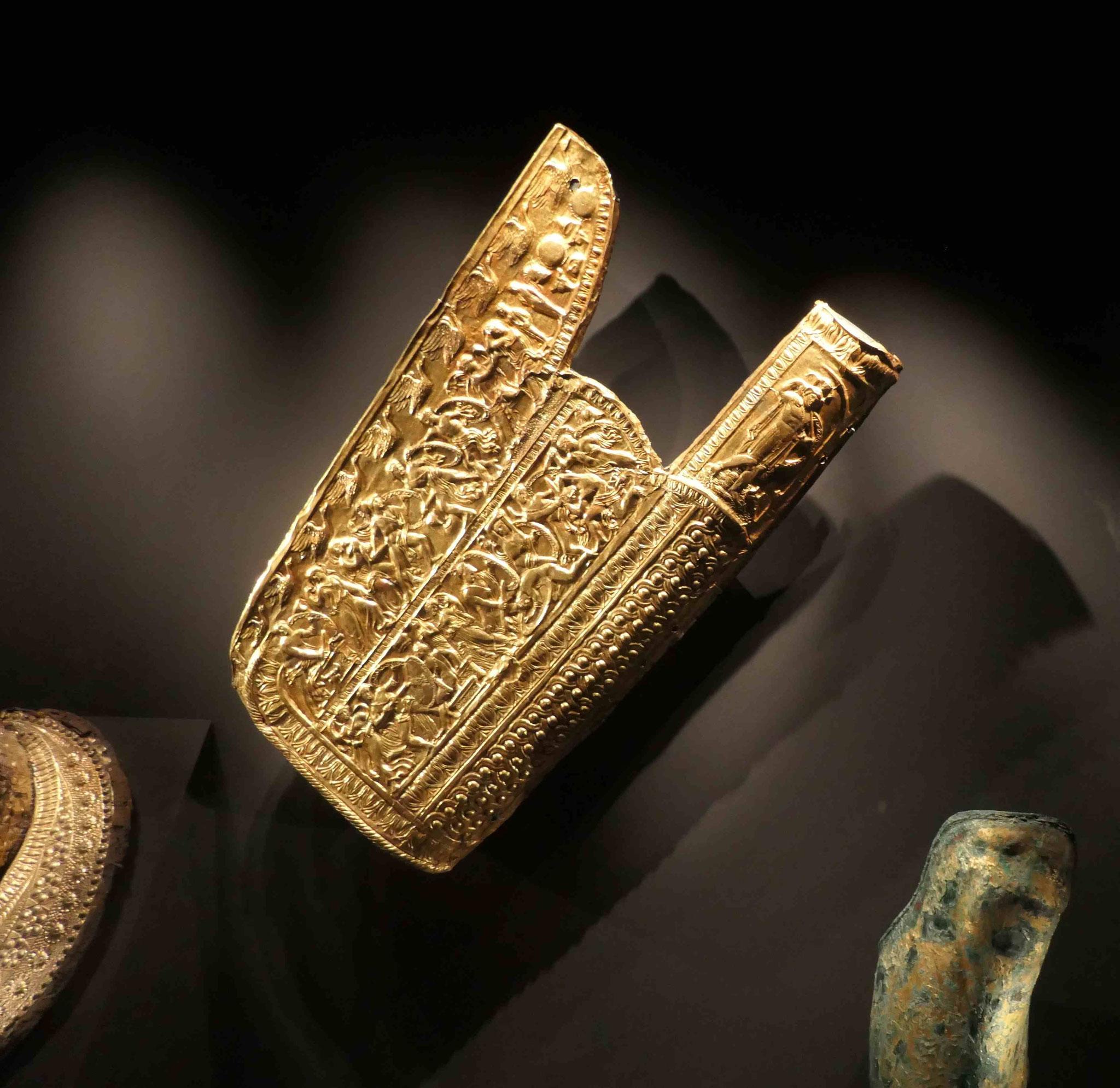 Goldener Pfeilköcher aus dem Grabhügel des Mazedonierkönigs Philipp II in Bergina