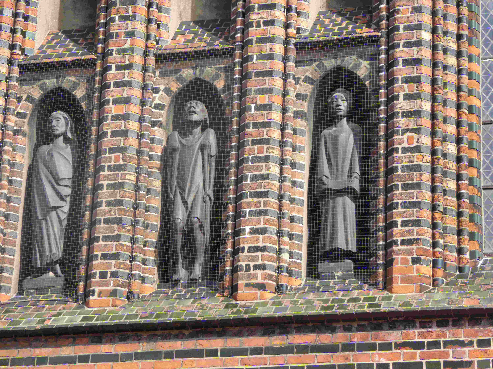 Ernst Barlach, Fries an der Katharinenkirche in Lübeck