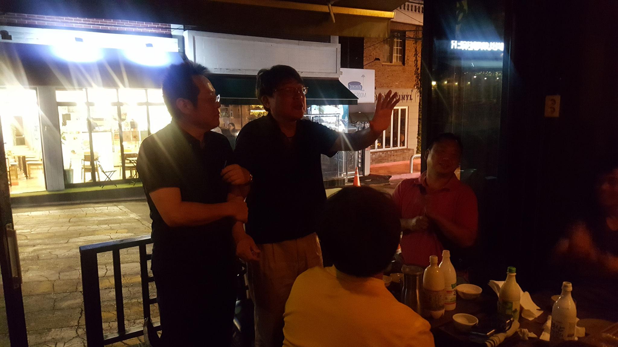 2017年9月  SJCテニス大会のローン総キャプテンの藤元さん(写真左側)歓送会@タモトリ