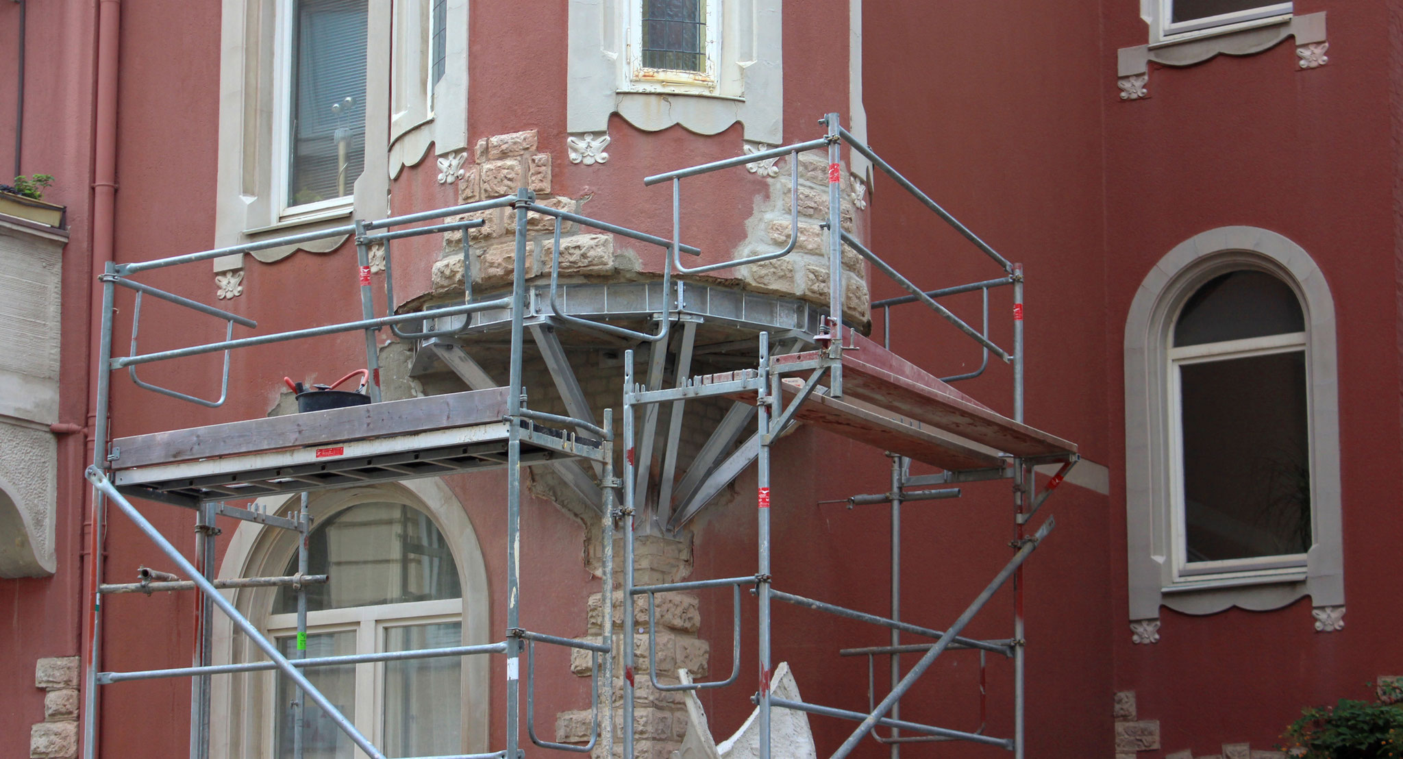 Erkerunterseite vor der Rekonstruktion