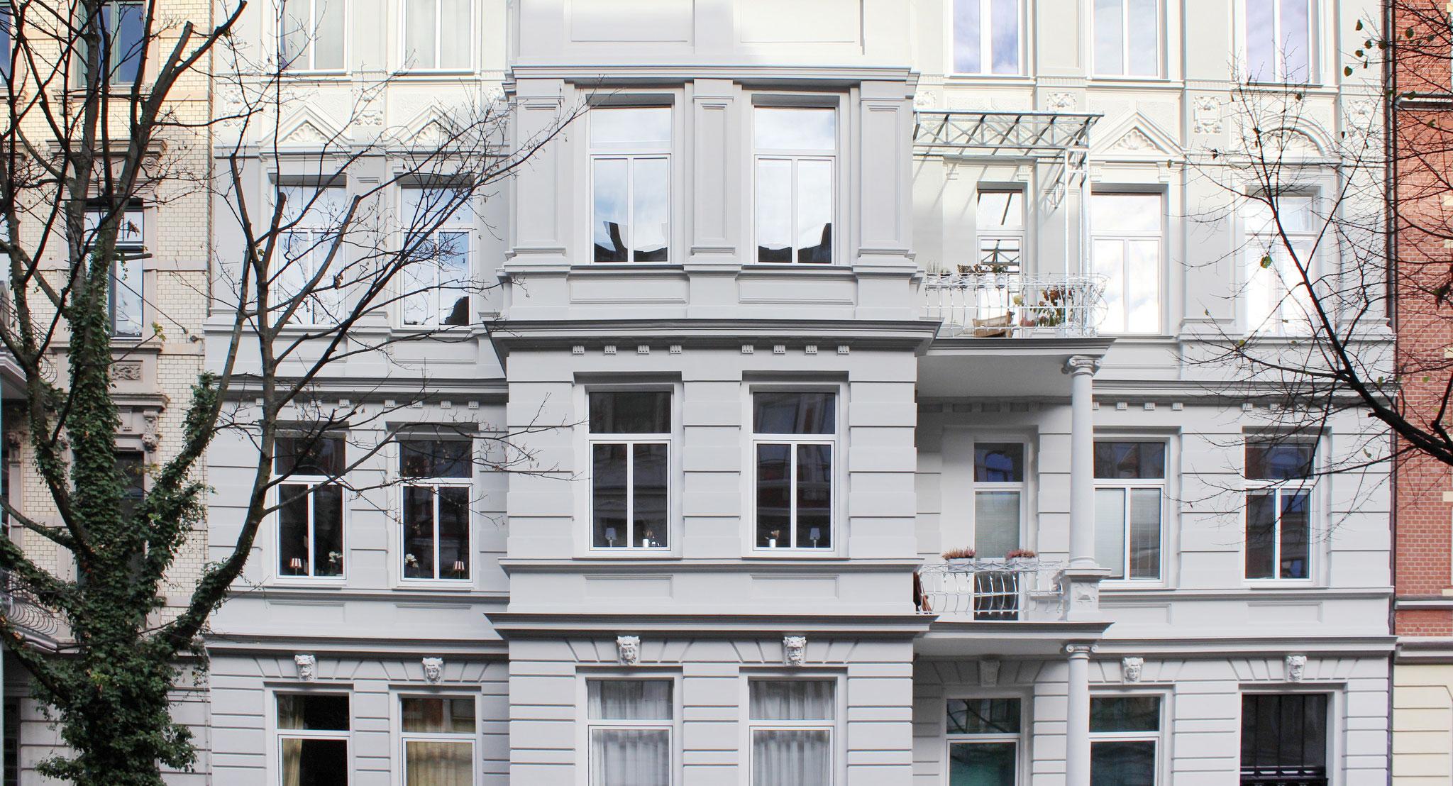 Gründerzeit-Stuck- und Putzfassade; Anstrich mit KEIM Granital-System