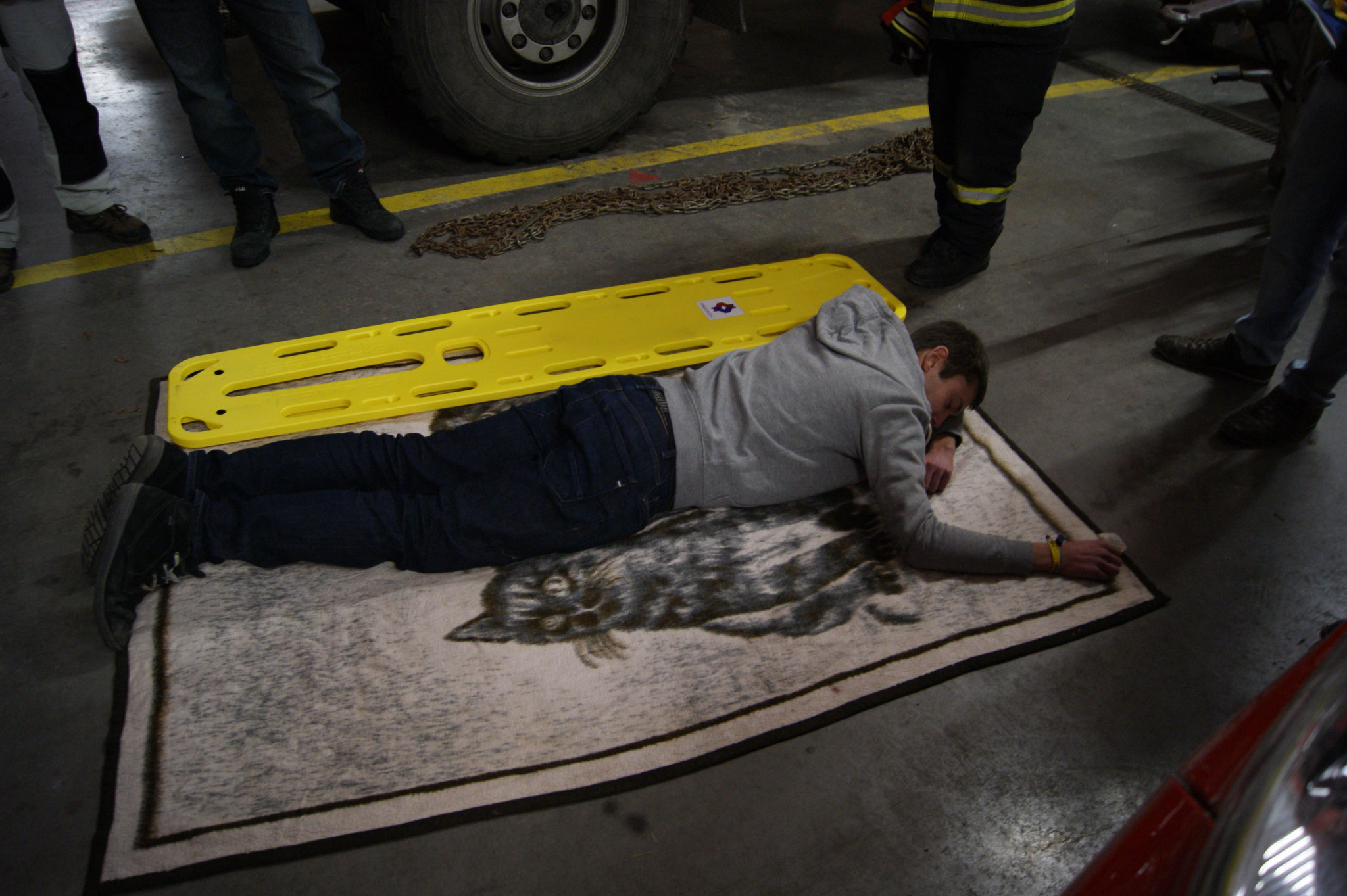 Verletztenaufnahme vom Boden aus