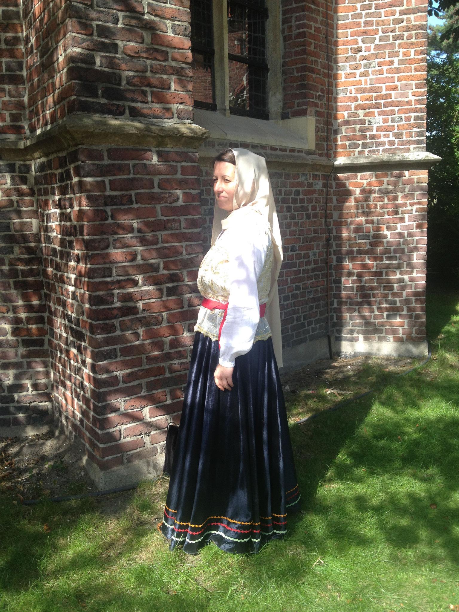 Gewand im Stil einer persischen Tracht
