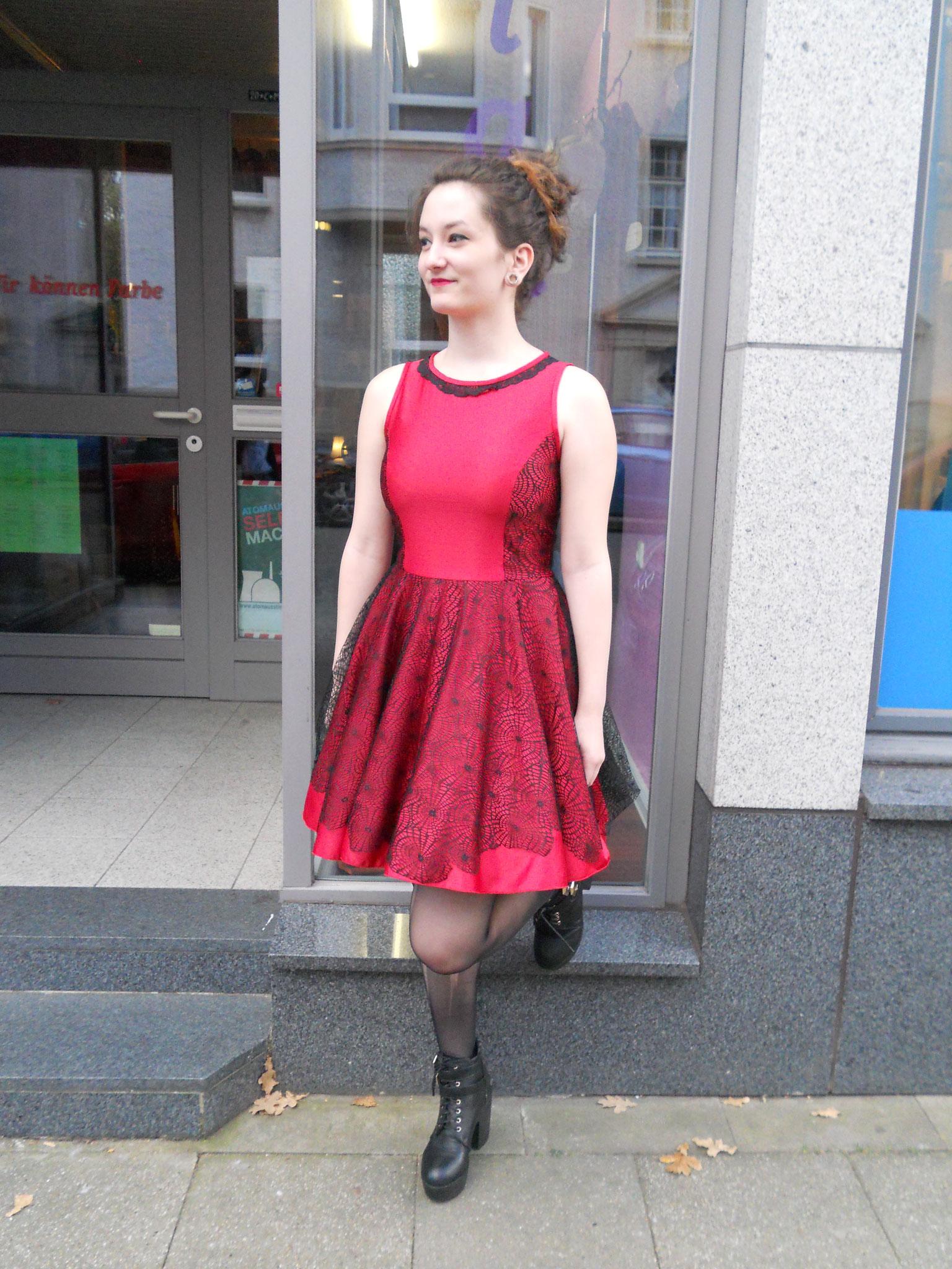 Petticoat/ Tanzkleid Gr. 38, Satin (Hochzeitssatin) und Spitze, o. Unterrock 45€