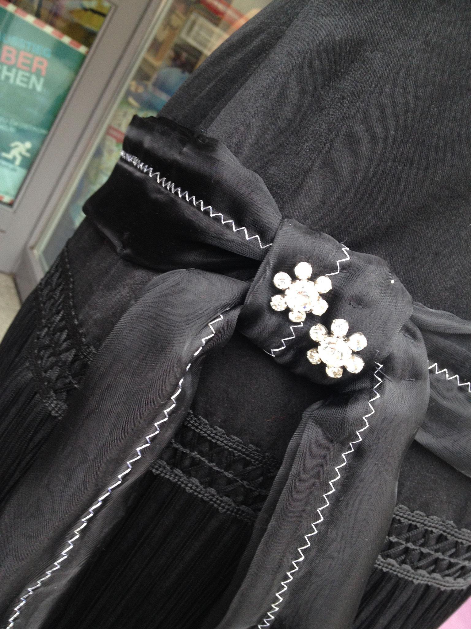 Charleston-Kleid, Gr. 42, mittelschweres Satin, gefüttert, 70€