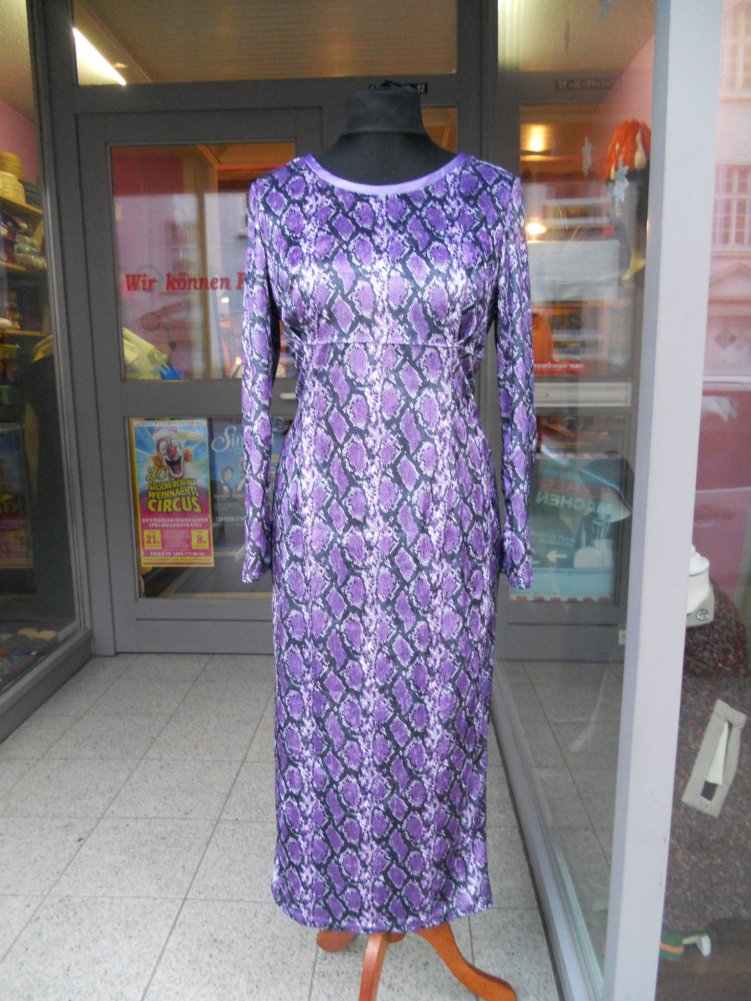 Schlangenkleid mit großer Kapuze, Gr. 42, Elasik-Pannésamt ungefüttert, 40€