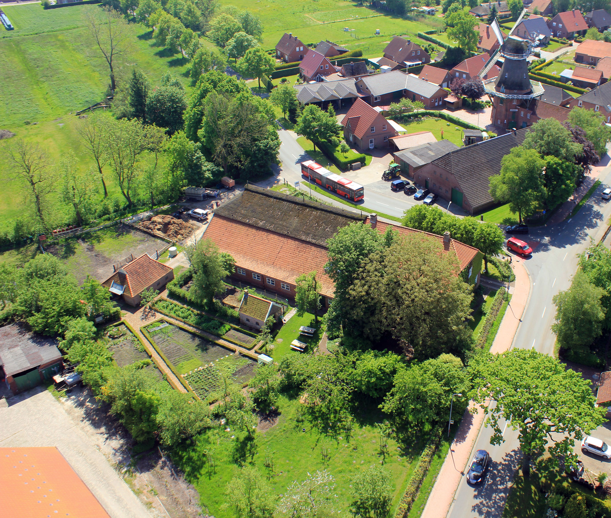 Der Woldenhof aus der Luft. Foto: NABU-Woldenhof