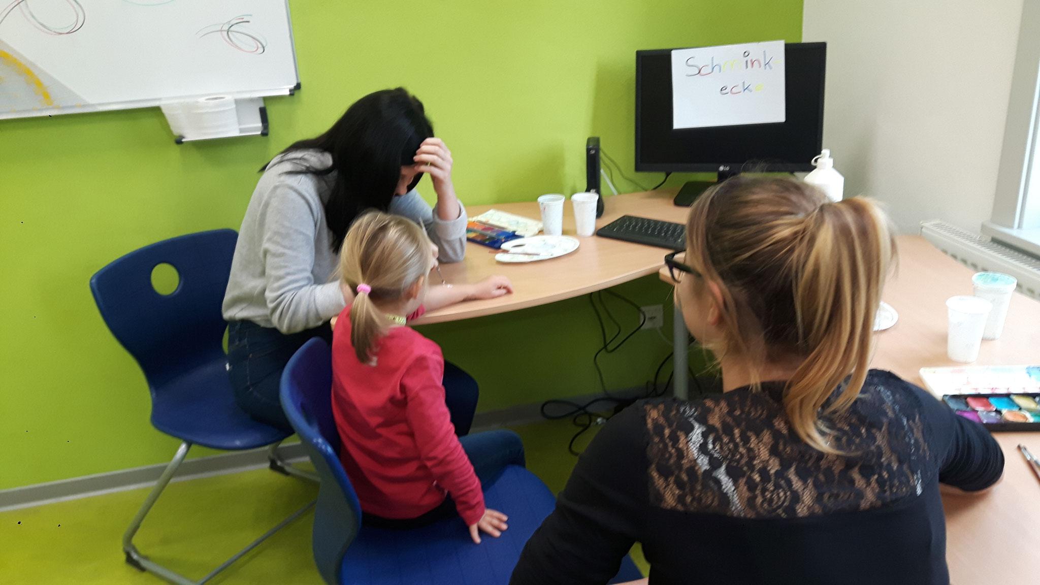 Um Kinderbetreuung und Kinderschminken kümmerten sich Schüler der 9. und 10 Klasse.