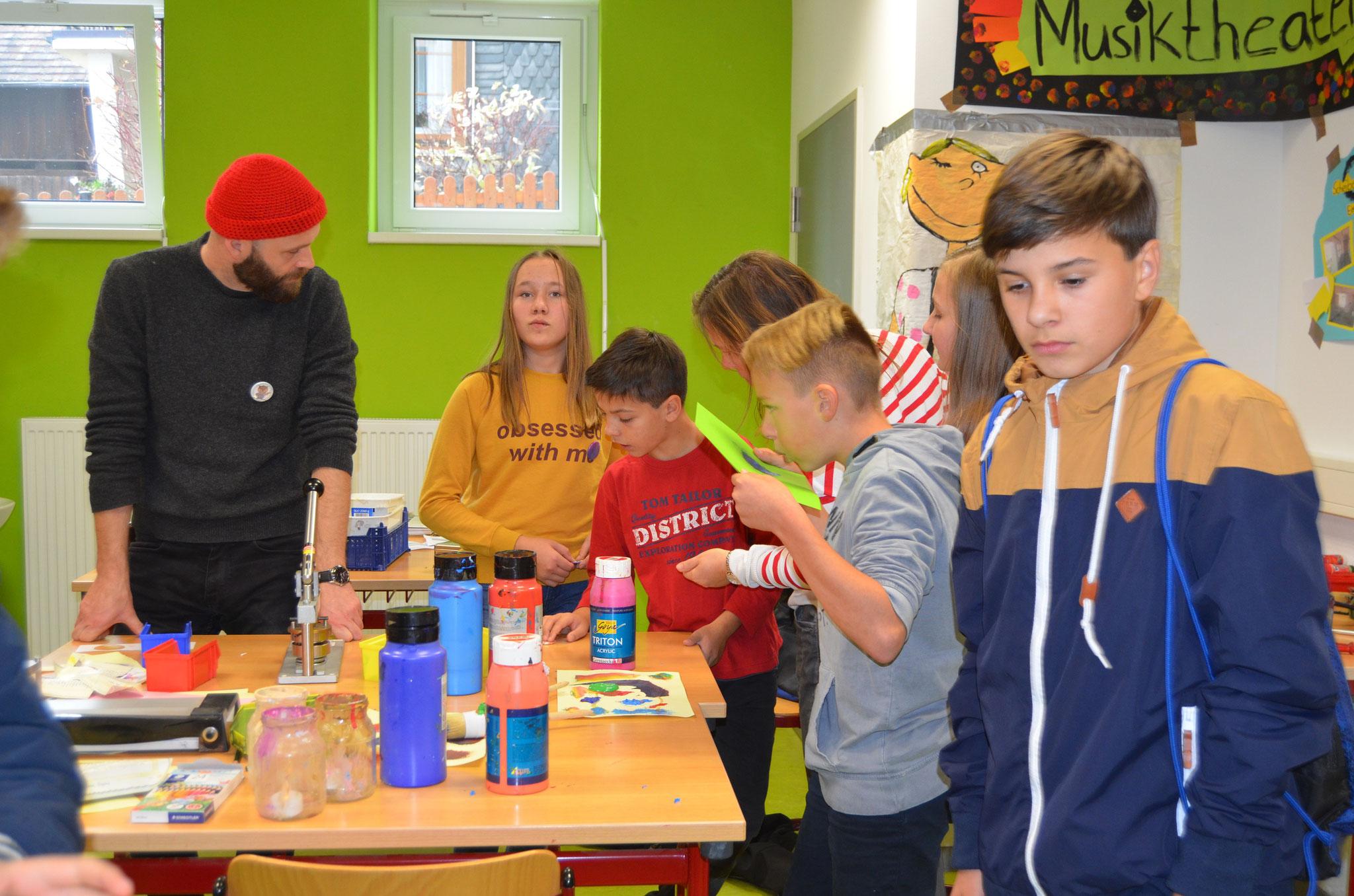 Stefan Groß leitete die AG Maskottchen und bereicherte den Tag mit kreativen Ideen.